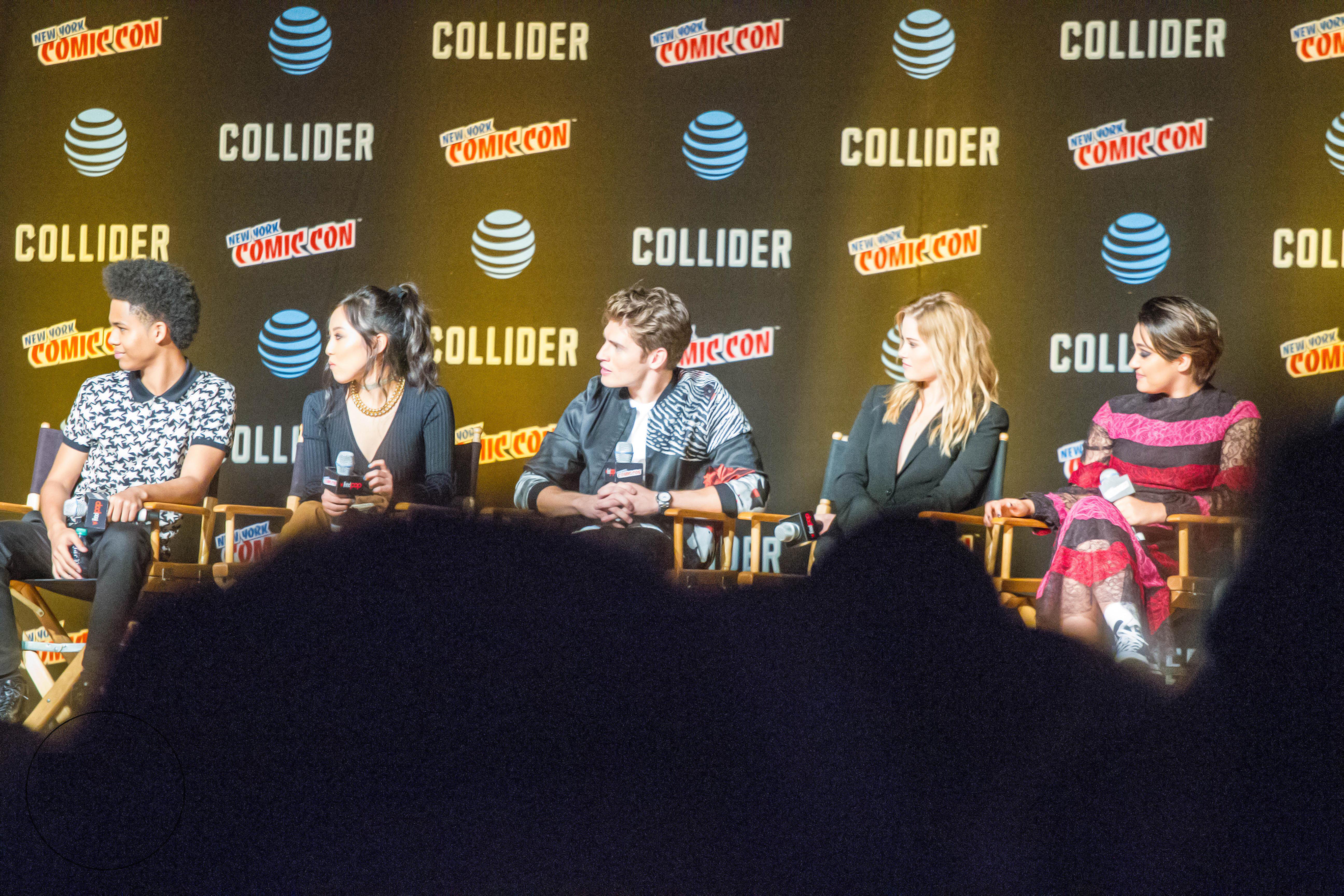 Cast of Runaways at the 2017 New York Comic Con (L-R: Rhenzy Feliz, Lyrica  Okano, Gregg Sulkin, Virginia Gardner and Ariela Barer)