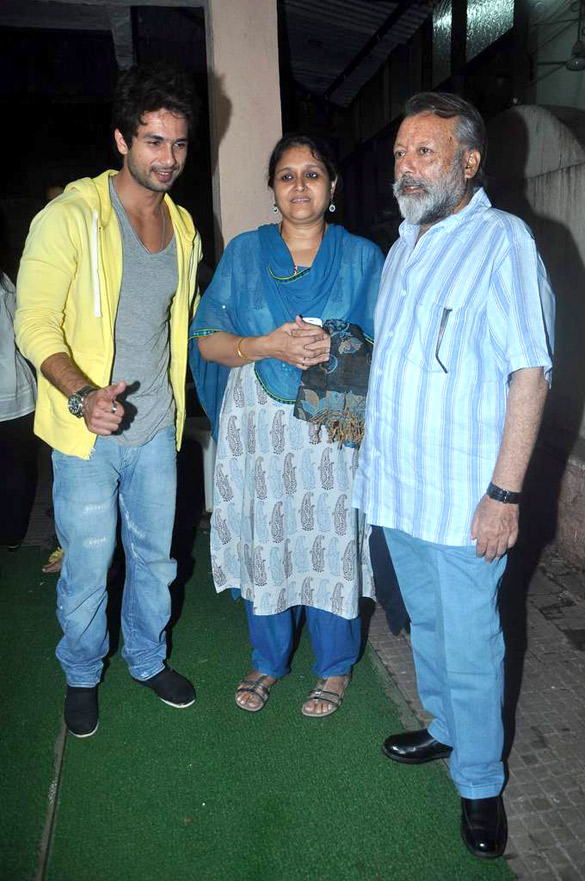 Shahid, Supriya Pathak & Pankaj Kapur attend screening of 'Teri Meri Kahaani' 03