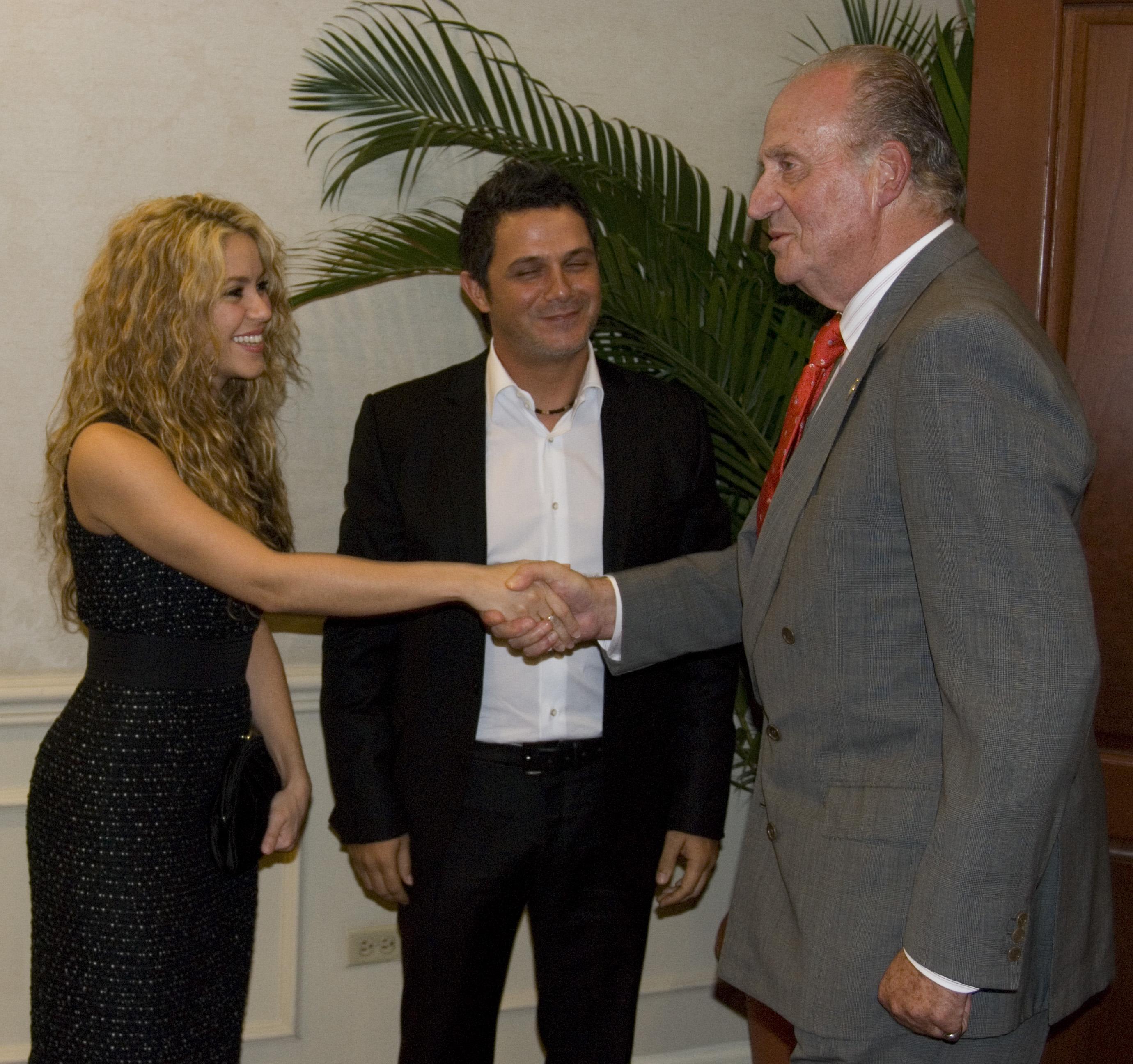 Shakira y Alejandro Sanz, como miembros de ALAS, se reunieron con el rey de España en la Cumbre de Presidentes de El Salvador.