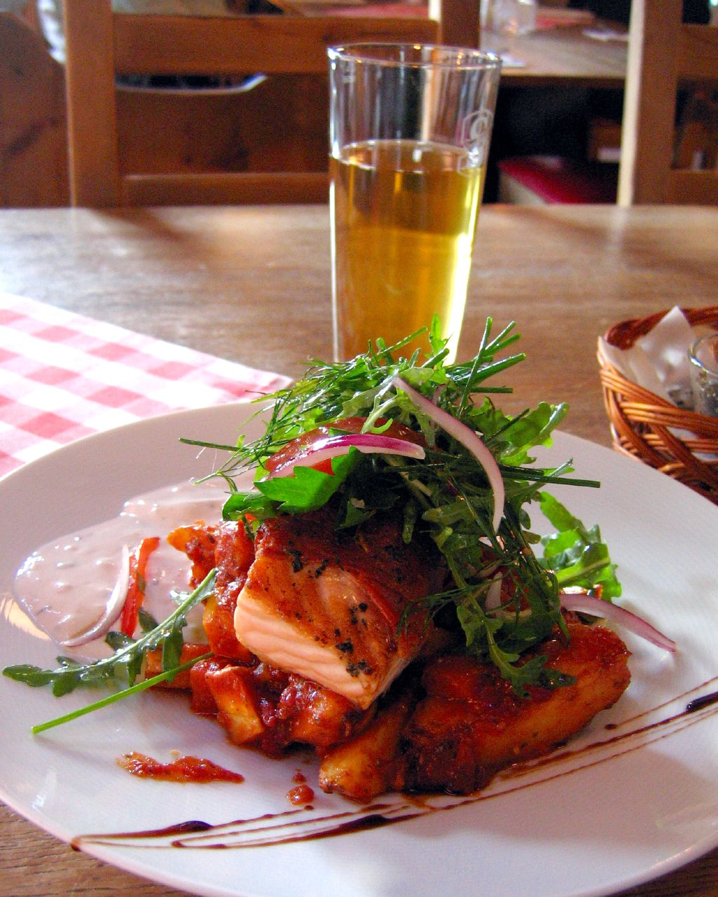 Beskrivning Swedish.food-Grillad.parmaskinks-inlindad.laxrygg-01.jpg