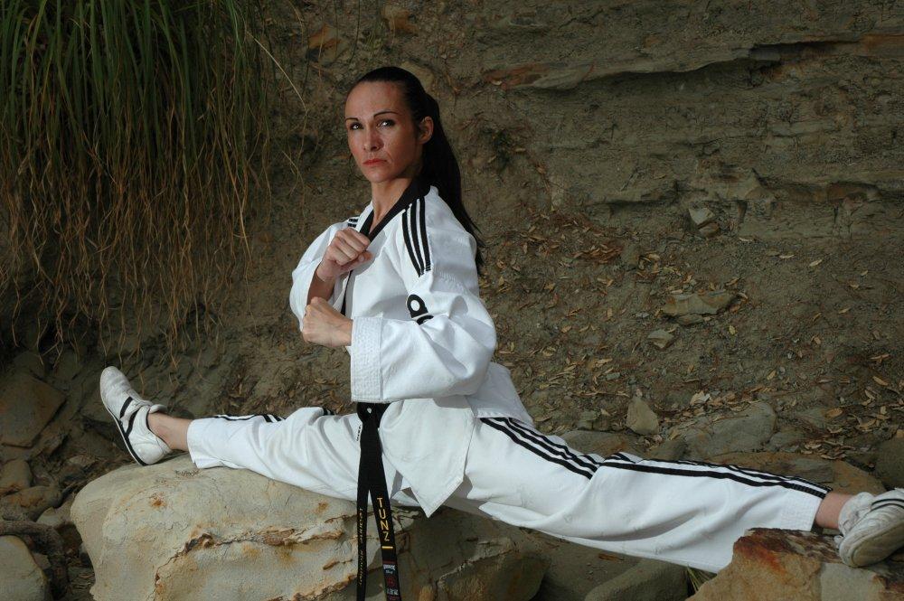 khởi động chuyên môn trong taekwondo - video Khởi động chuyên môn trong Taekwondo – Video Taekwondo Splits