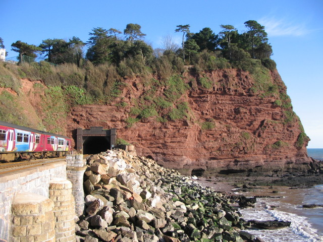 Train entering tunnel at Hole Head, Holcombe - geograph.org.uk - 370778