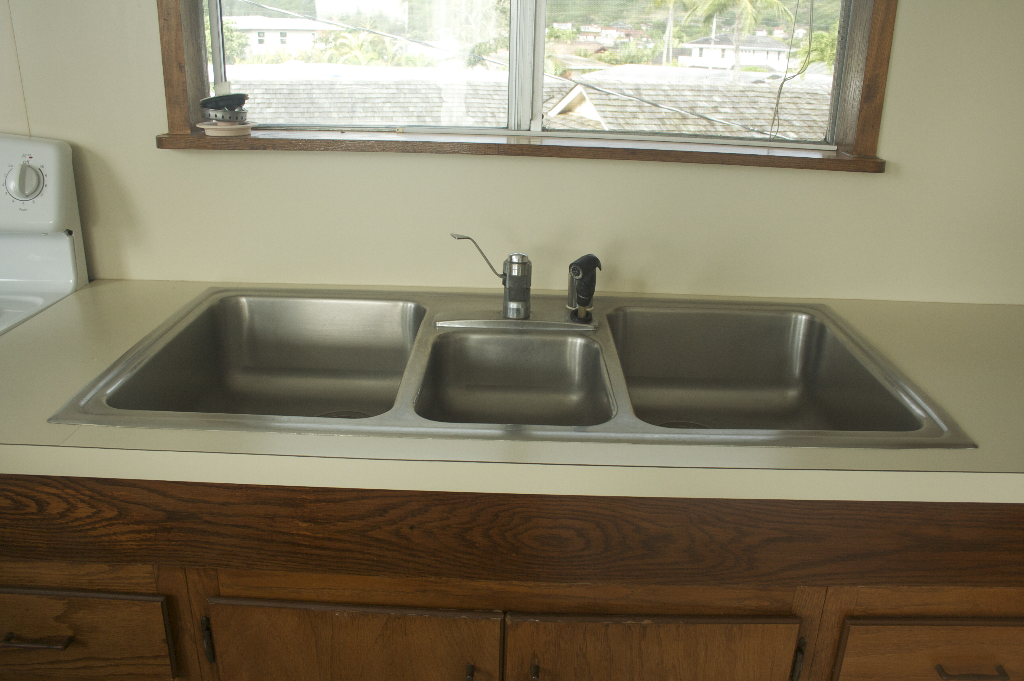 Triple Sink : File:Triple sink.jpg - Wikimedia Commons