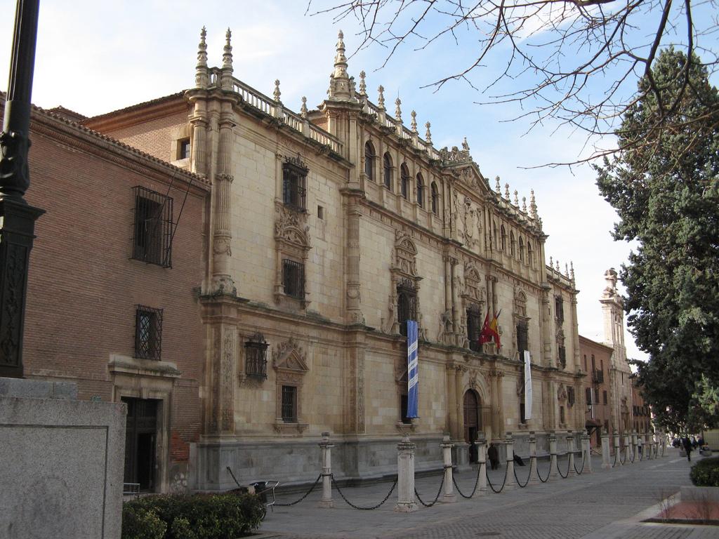 File universidad de alcal de henares wikimedia - Arquitectos alcala de henares ...