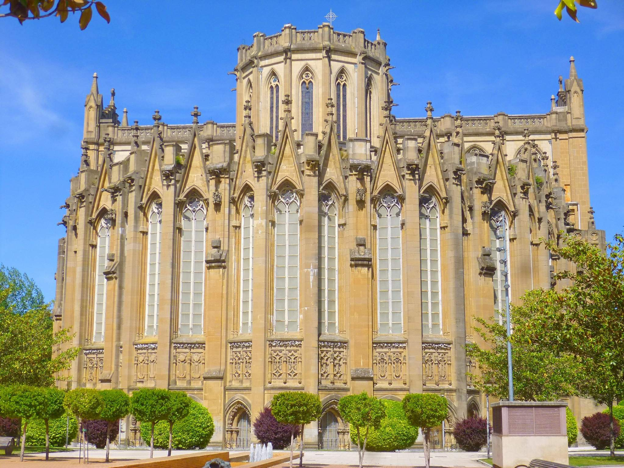 Maria Sortzez Garbiaren katedrala irudia
