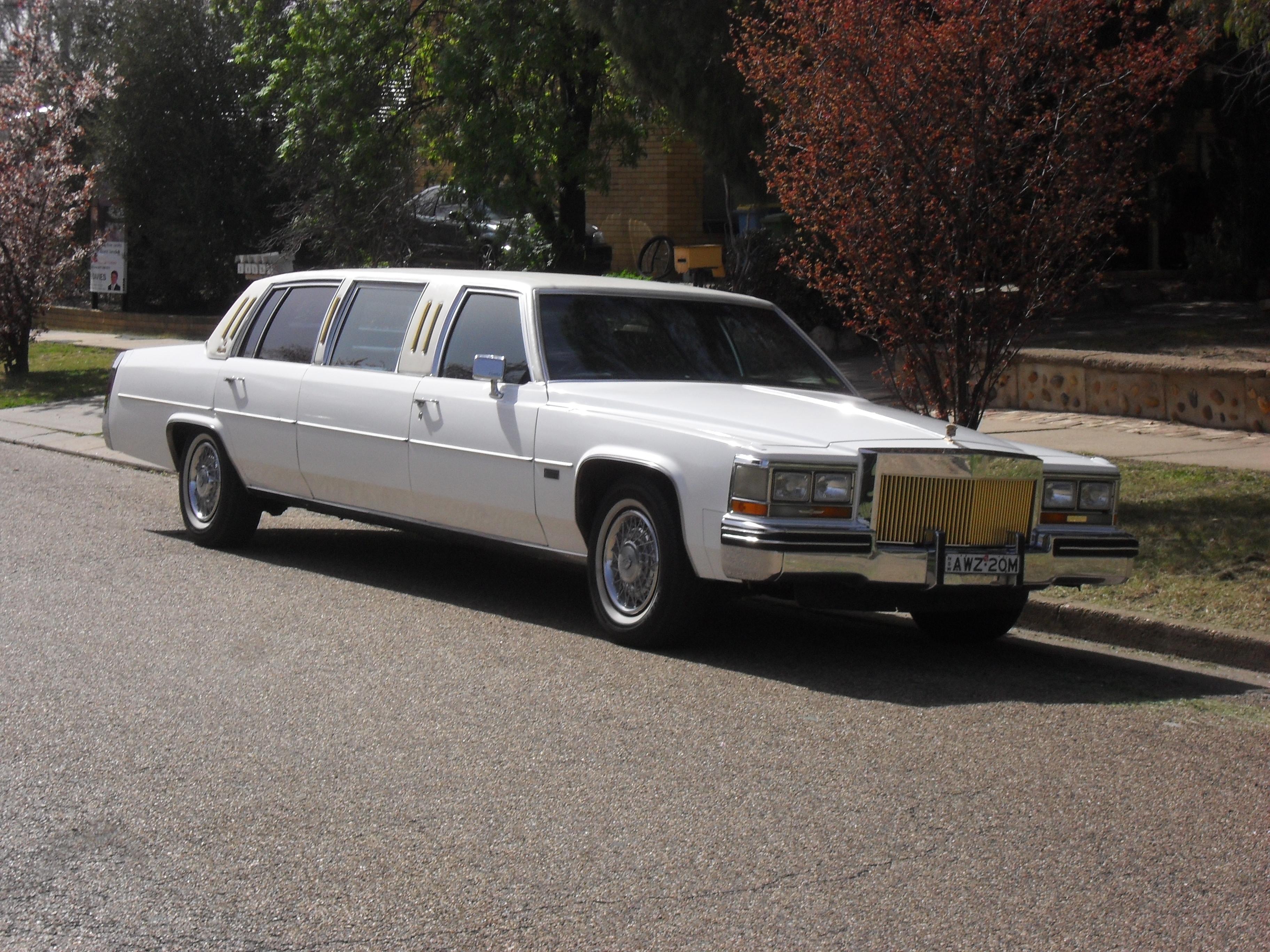 Limozin Car For Rent