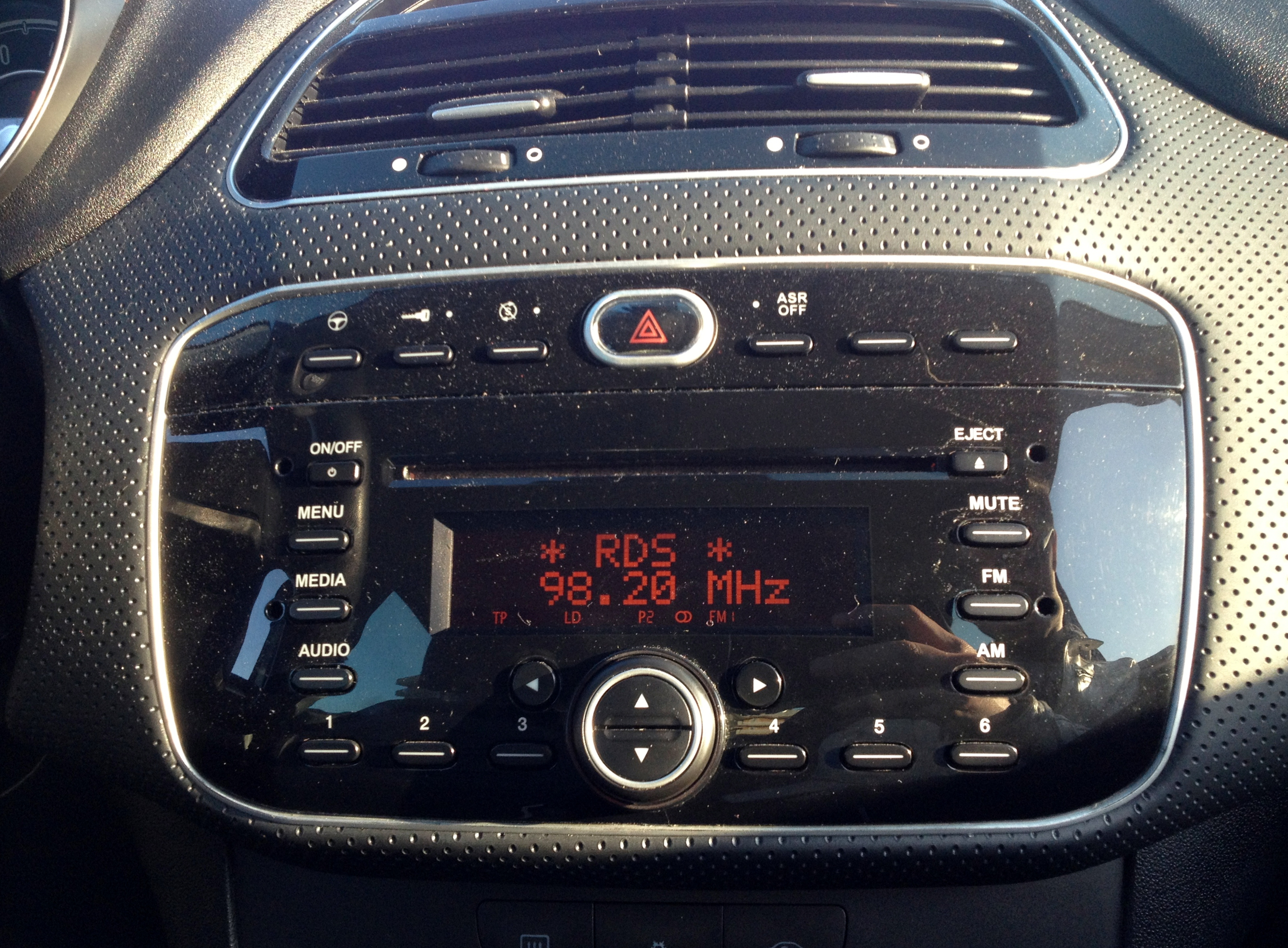 File 2012 Fiat Punto Evo 1 2 Autoradio on sony touch screen radio