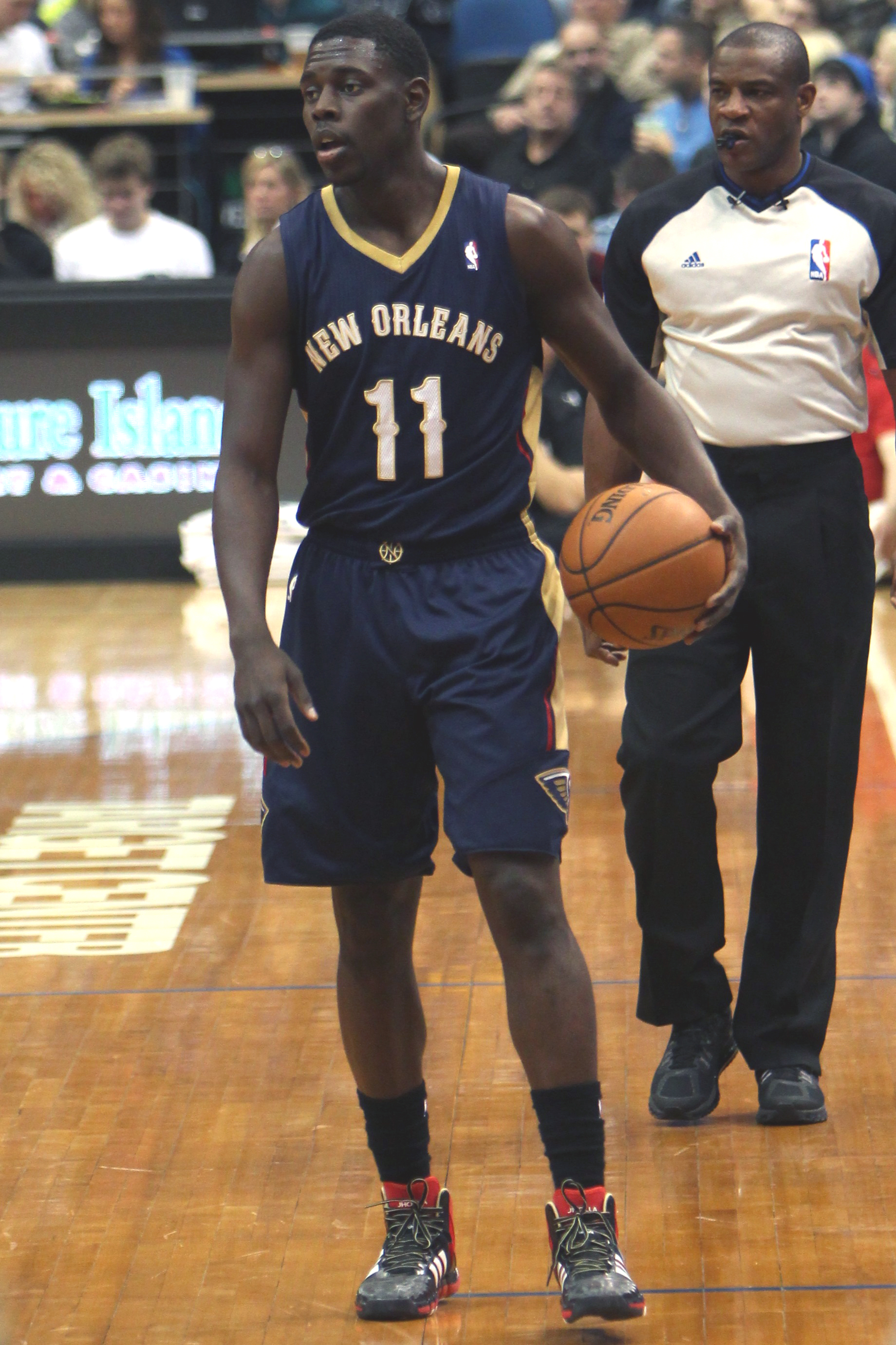 Jrue Holiday - Wikipedia 2160dd7ef