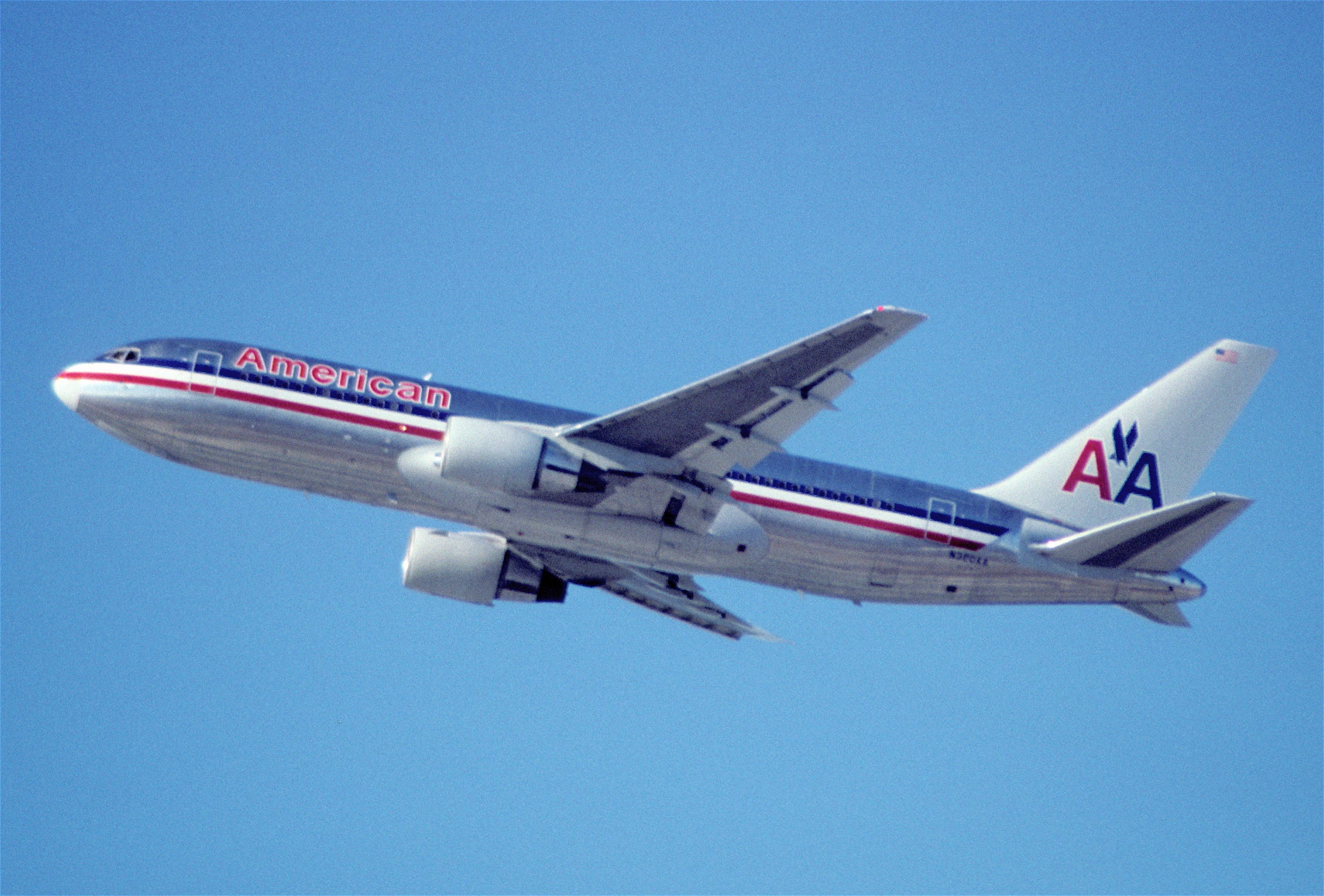 File 421ec American Airlines Boeing 767 223er N320aa