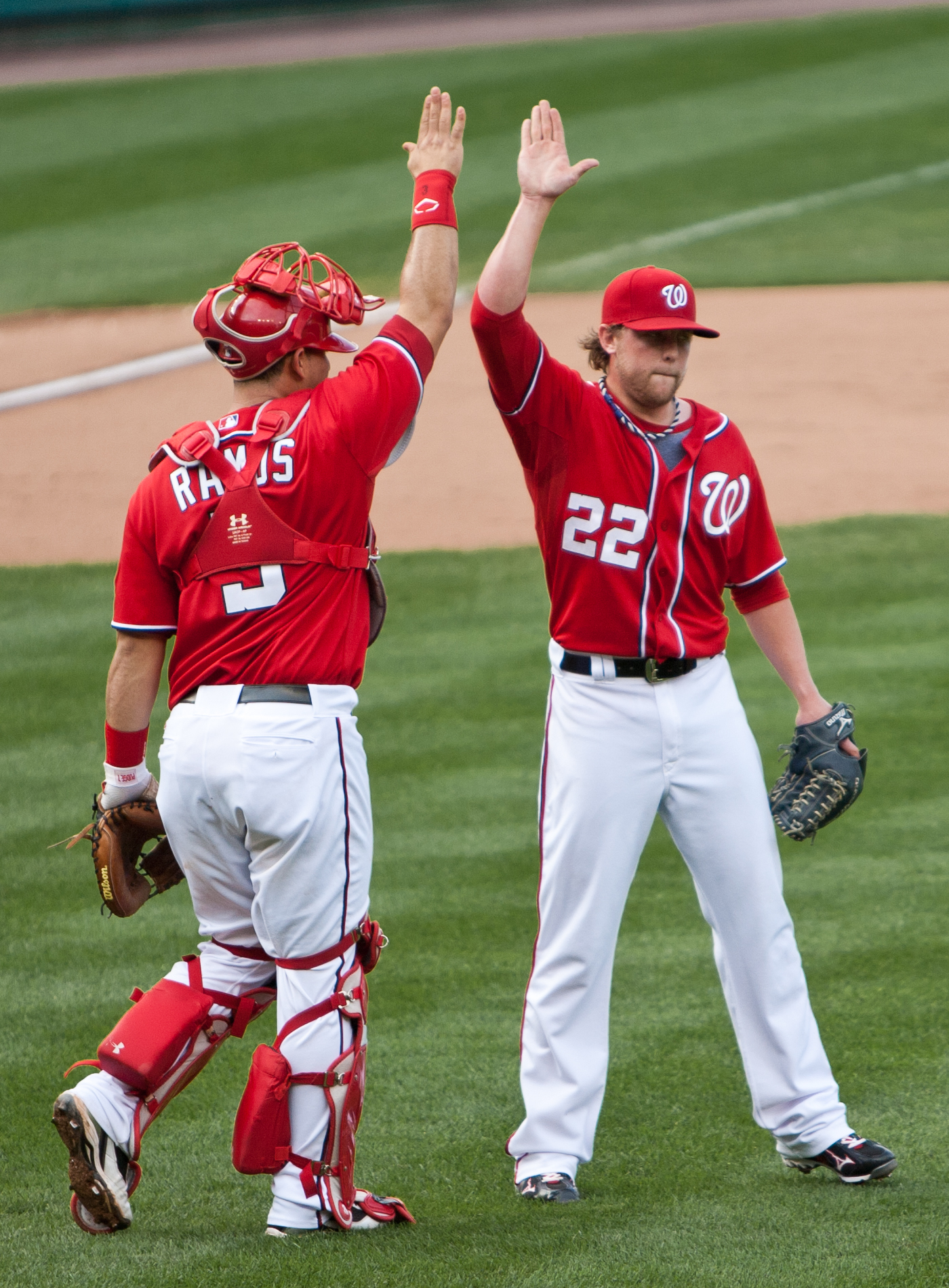https://upload.wikimedia.org/wikipedia/commons/6/6f/9TH_Drew_Storen_and_Wilson_Ramos.jpg