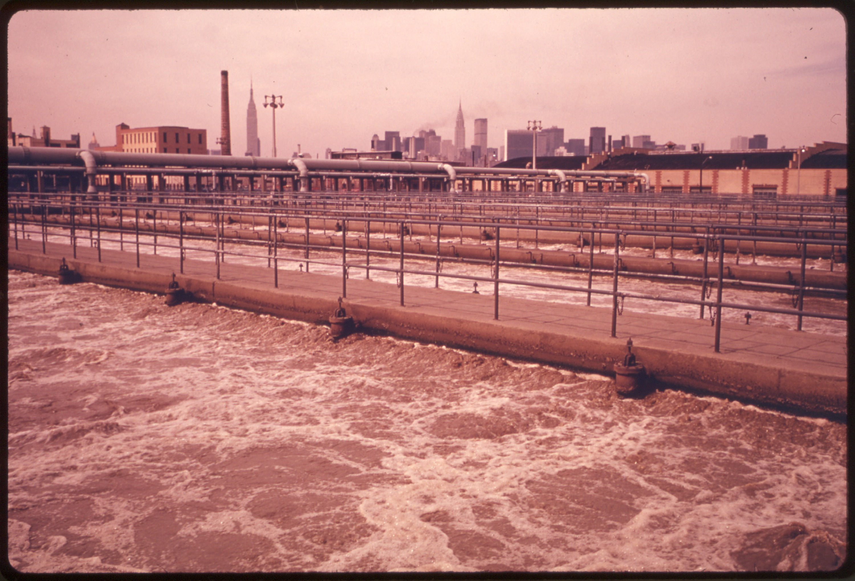 File:AERATION TANKS FOR SECONDARY TREATMENT AT THE NEWTOWN CREEK SEWAGE TREATMENT PLANT IN BROOKLYN