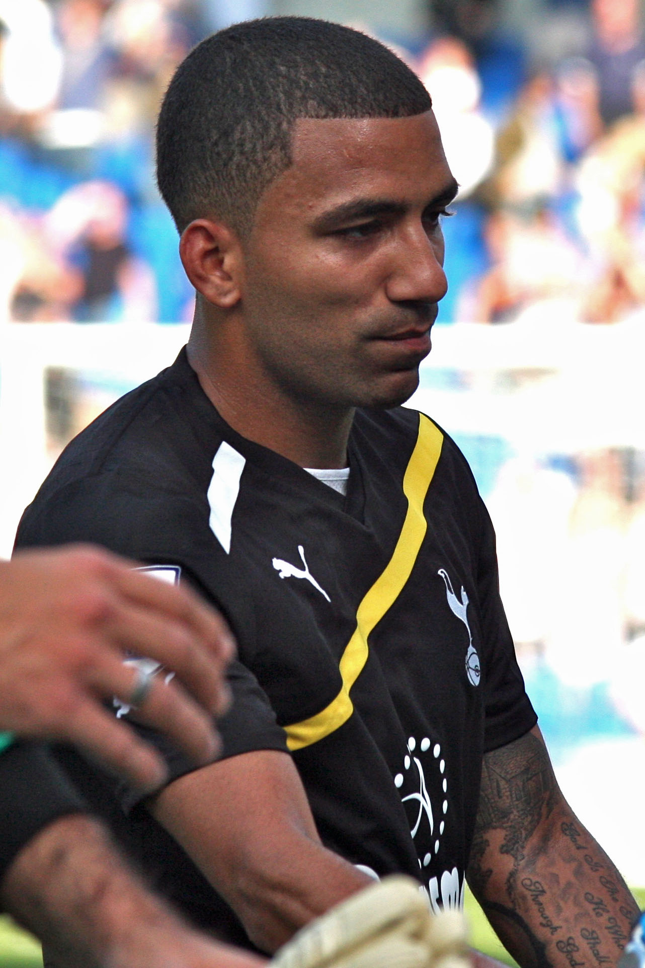 The 31-year old son of father (?) and mother(?) Aaron Lennon in 2018 photo. Aaron Lennon earned a 4.5 million dollar salary - leaving the net worth at 17.7 million in 2018