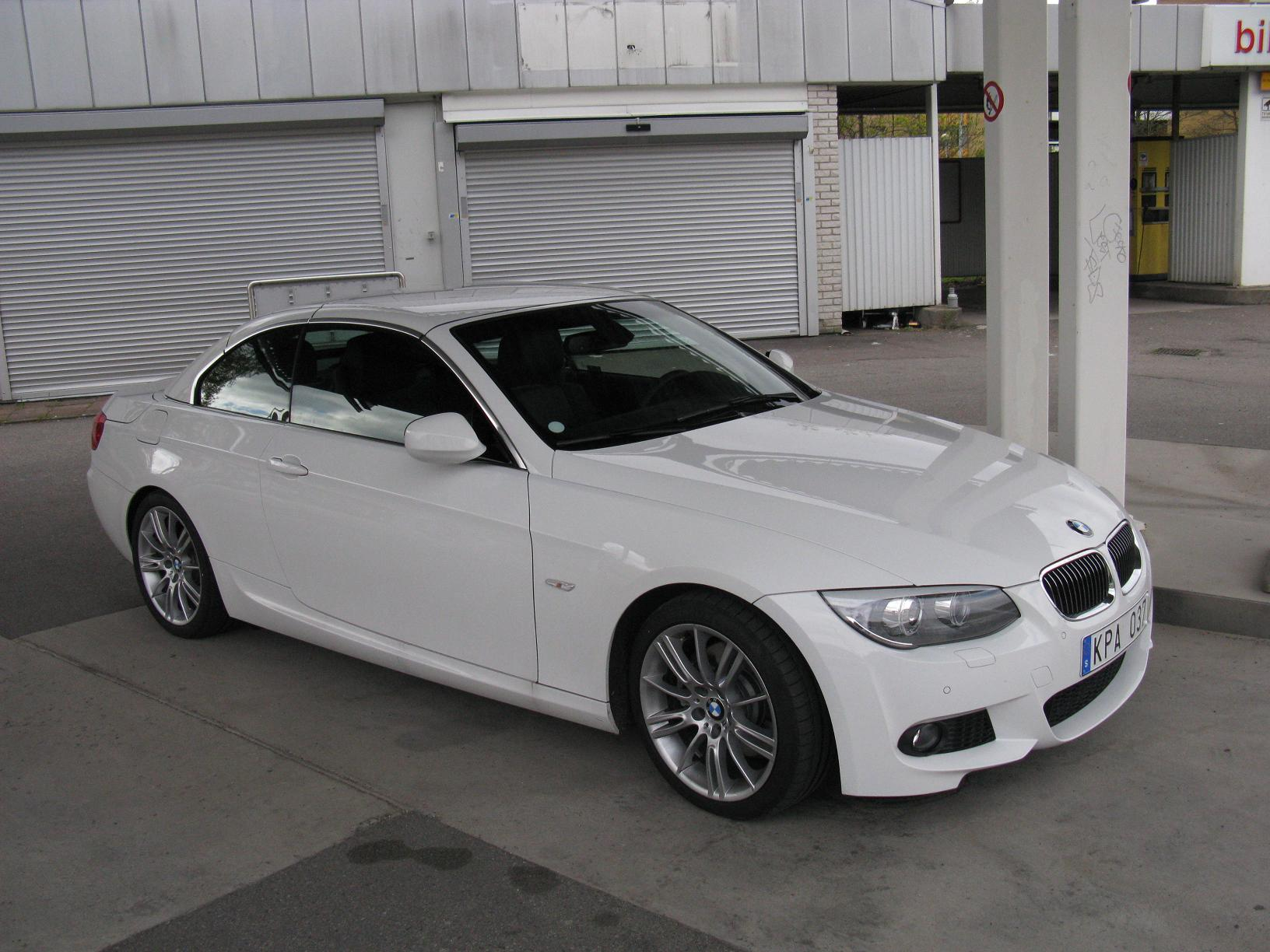 File Bmw 325i Cabriolet M Sport 4602076755 Jpg Wikimedia Commons