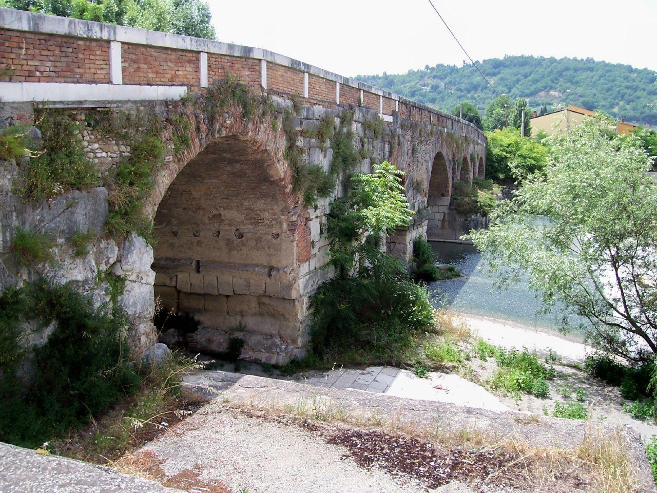 Benevento-Old Bridge.jpg