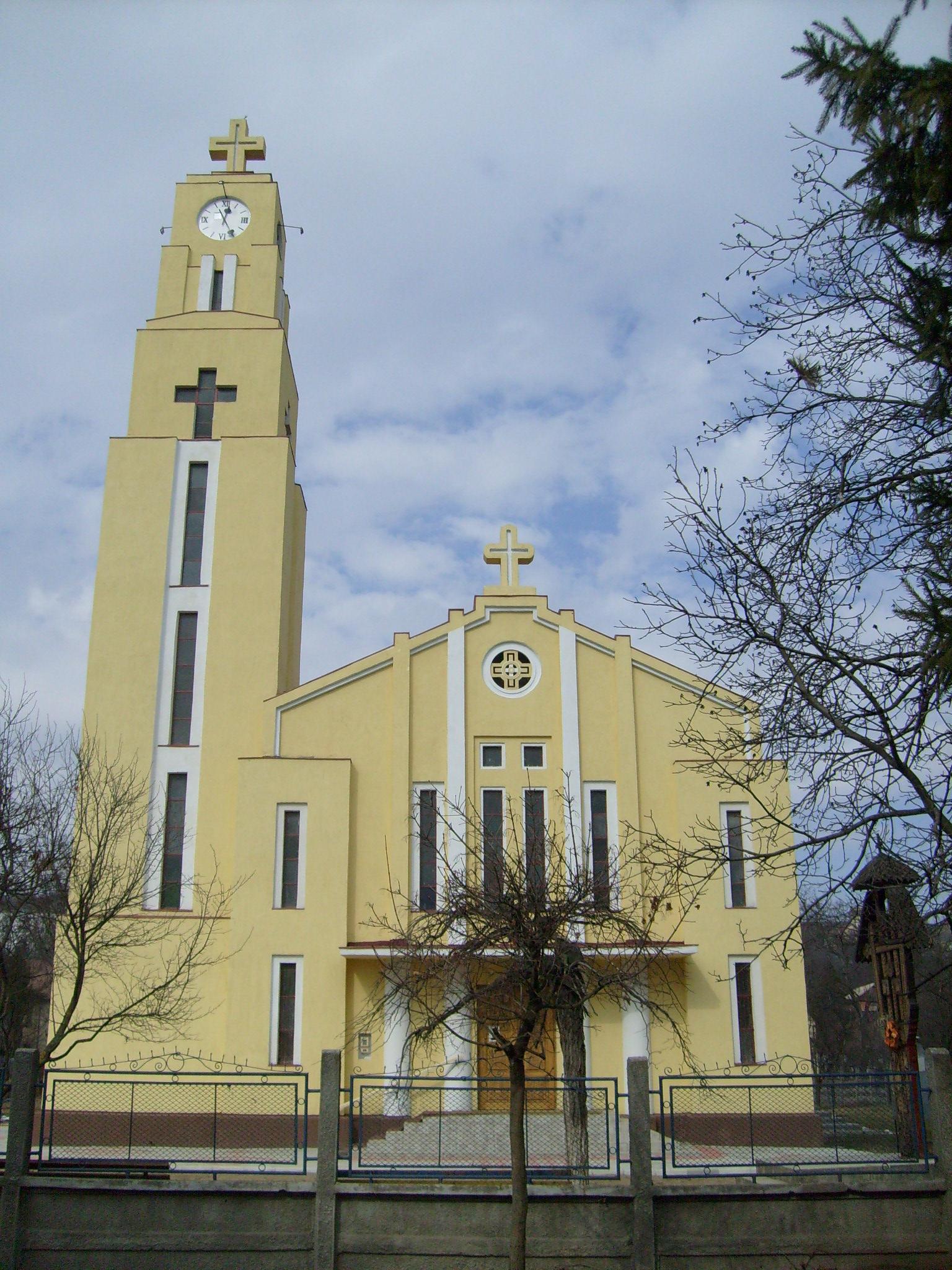 Biserica Bunavestire din cartierul clujean Iris, ctitoria episcopului Hossu