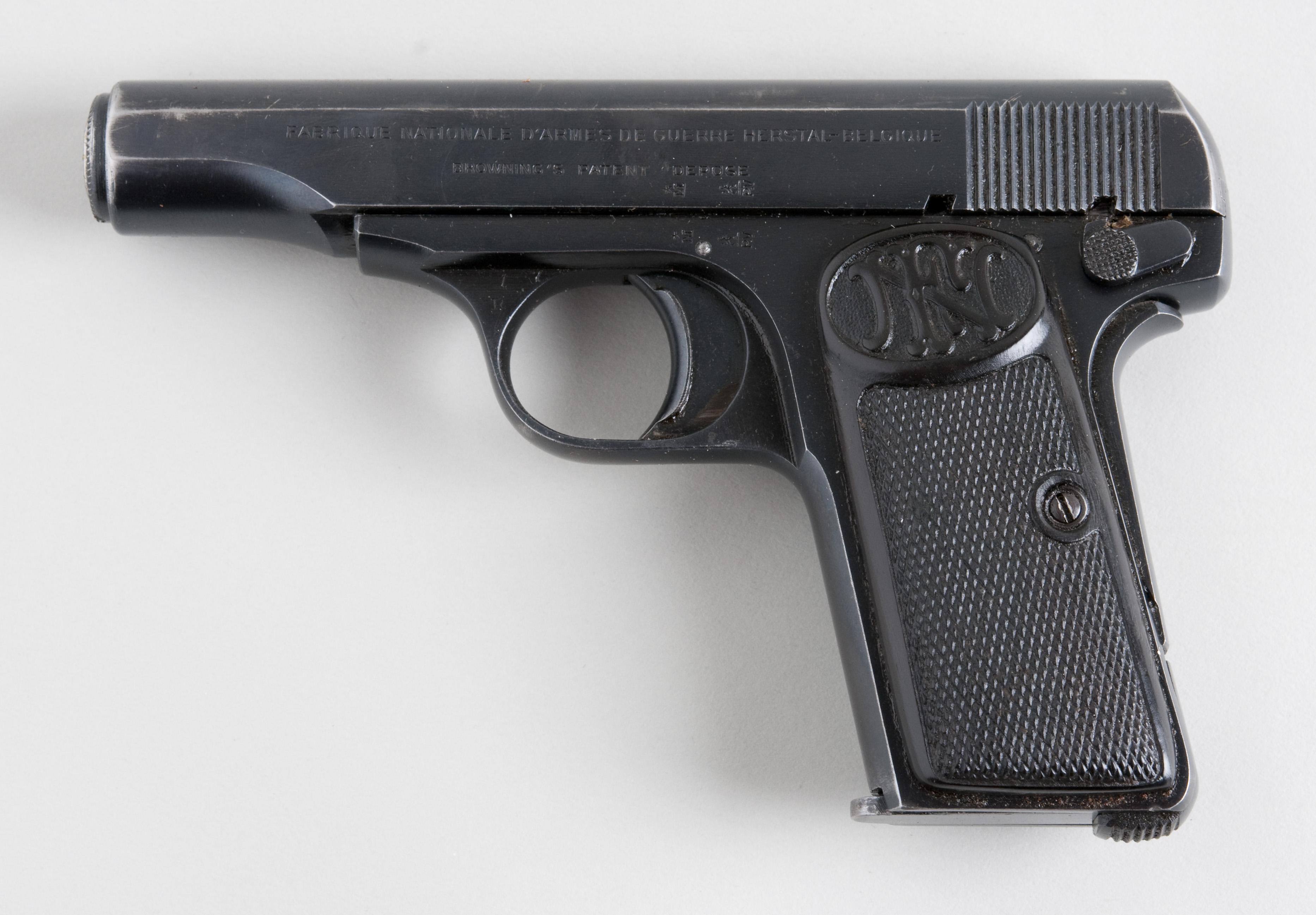 Dating Browning pistolenwat te doen als je dochter is dating