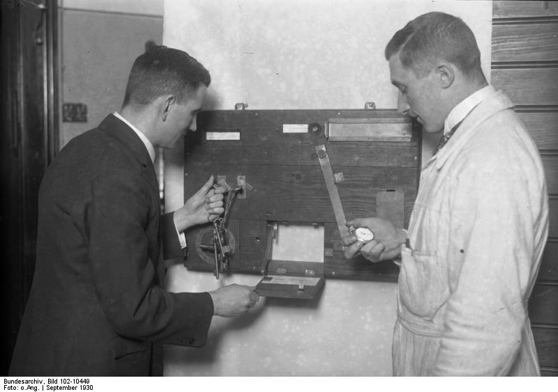 File:Bundesarchiv Bild 102-10449, Eignungstest für Autofahrer.jpg