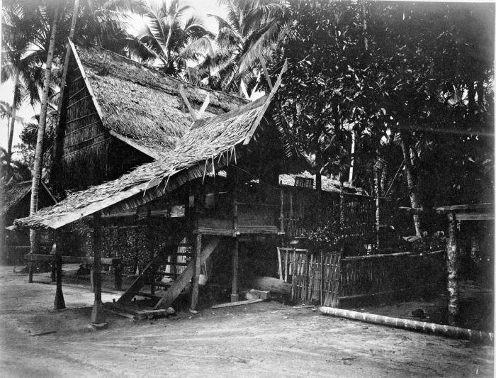 File collectie tropenmuseum huis te soeroelangoen met een overdekte trap district rawas sumatra - Huis trap ...