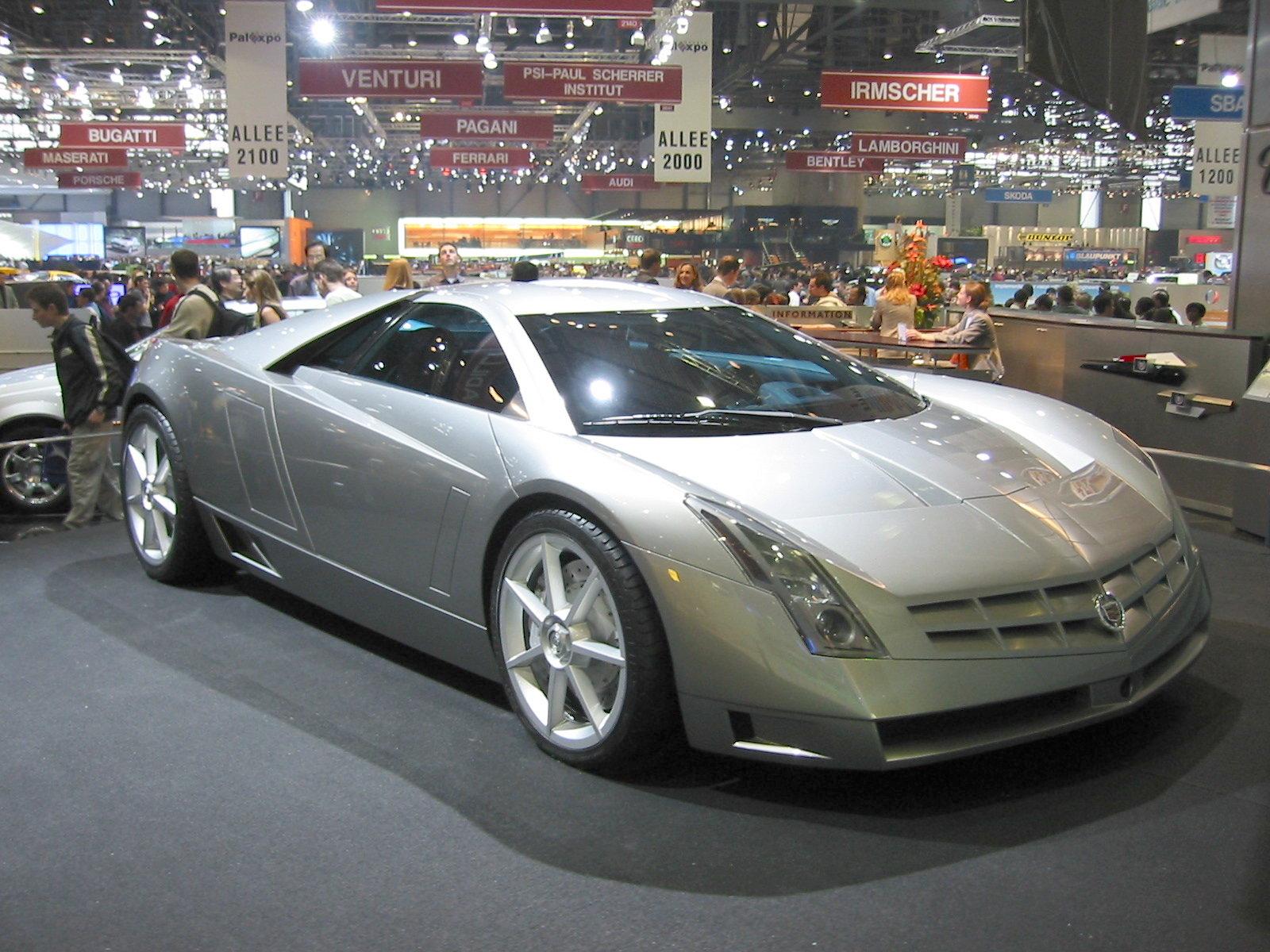 Cadillac Cien (front angle)