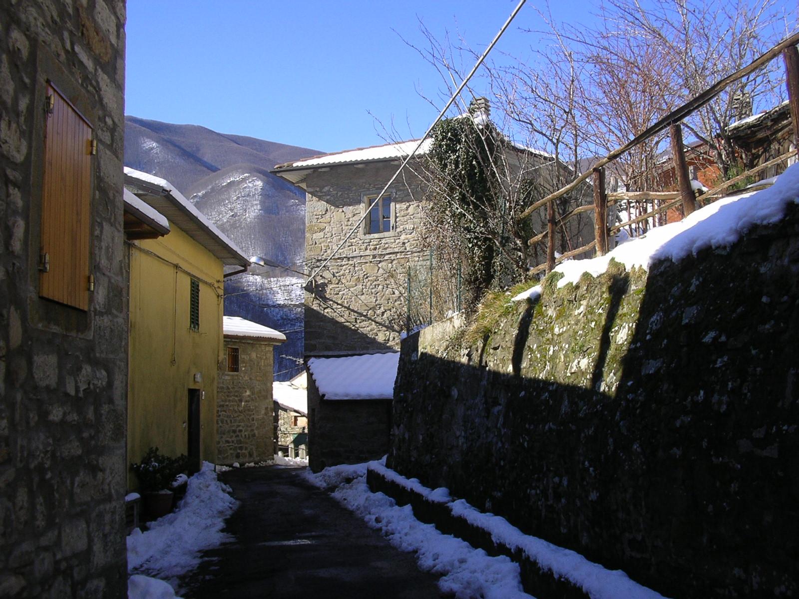 File:Casa Calistri - Abitazioni caratteristiche I.JPG - Wikimedia Commons