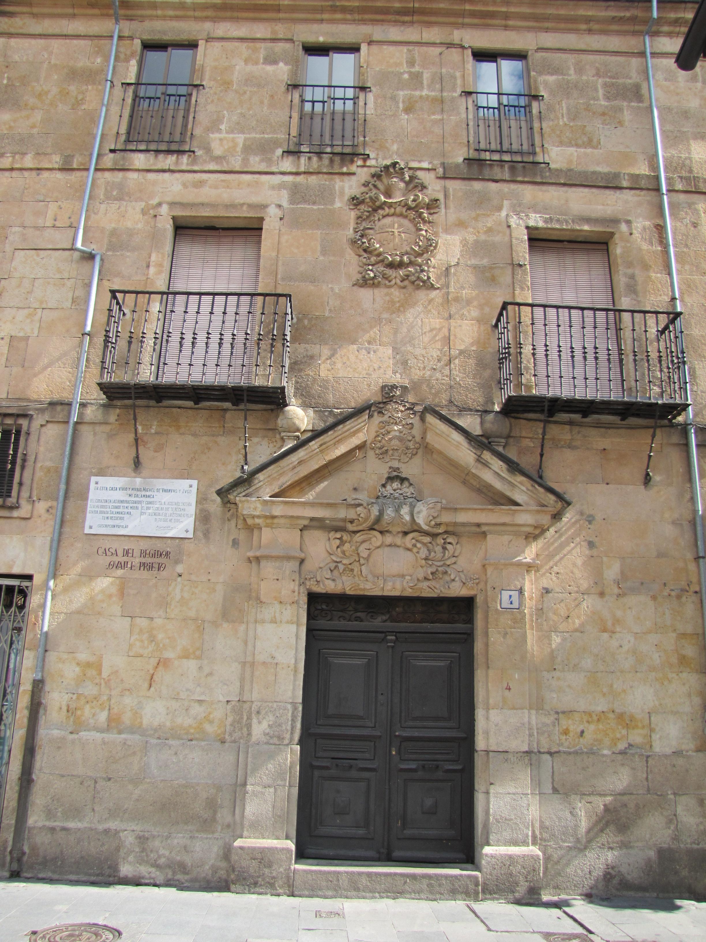Casa del Regidor Ovalle Prieto, en la calle Bordadores de Salamanca, en la cual vivió y murió Unamuno.