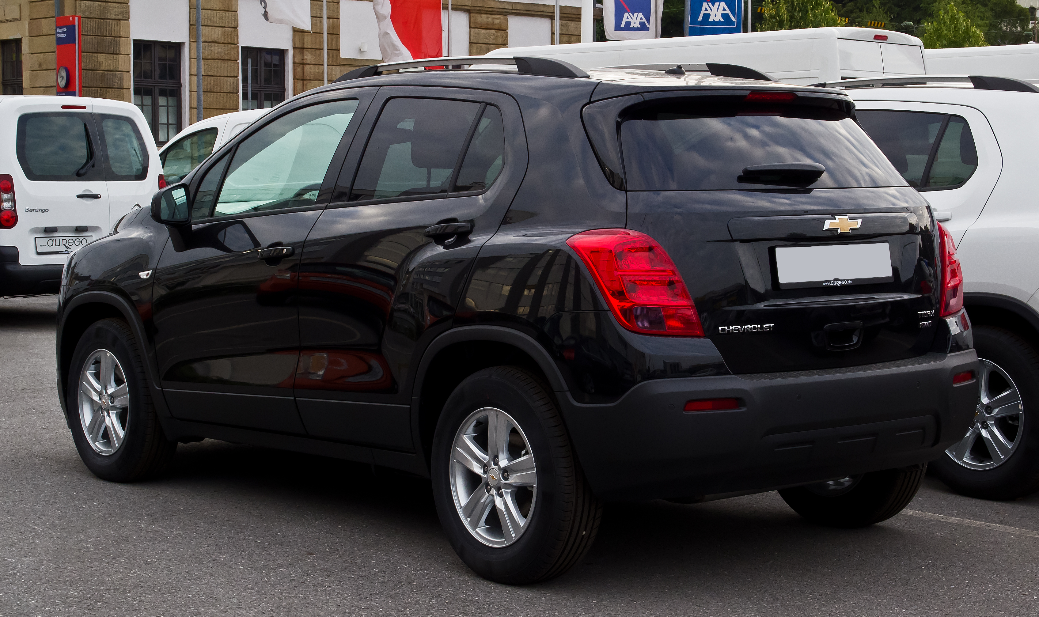 file chevrolet trax ls 1 4 4wd heckansicht 11 august 2013 wikimedia commons. Black Bedroom Furniture Sets. Home Design Ideas