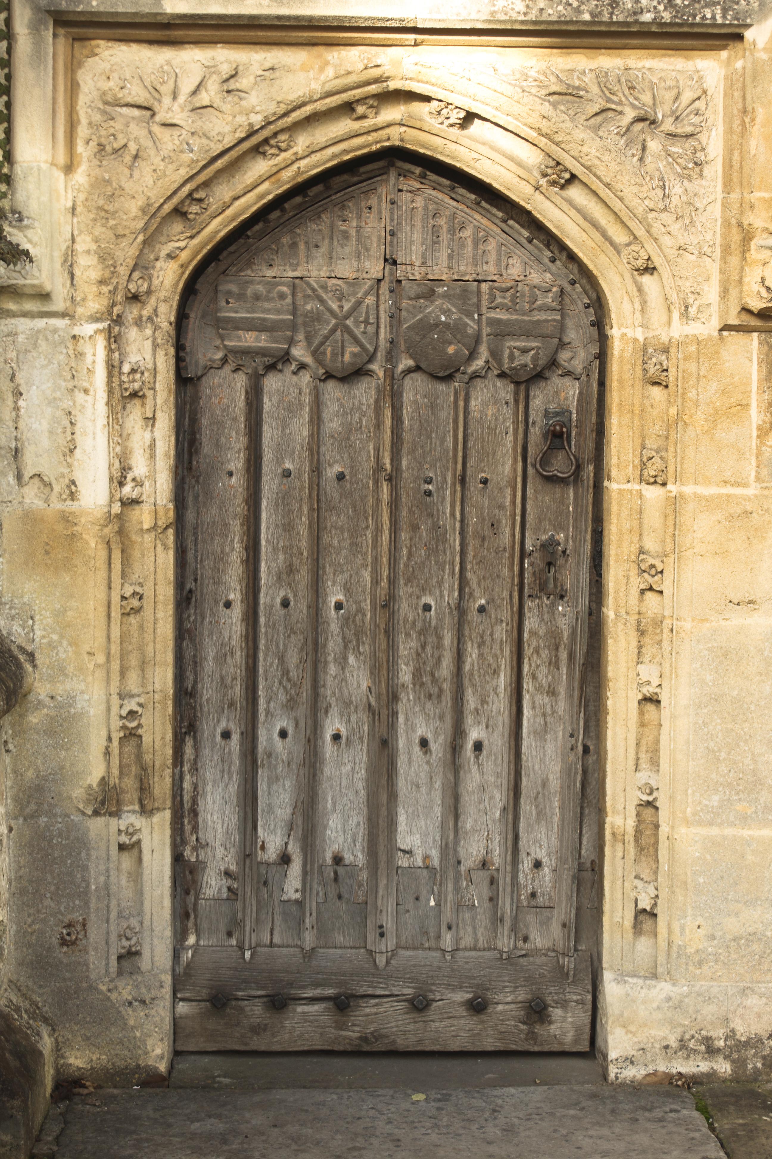 Closing Doors F : Door close open double closed wooden