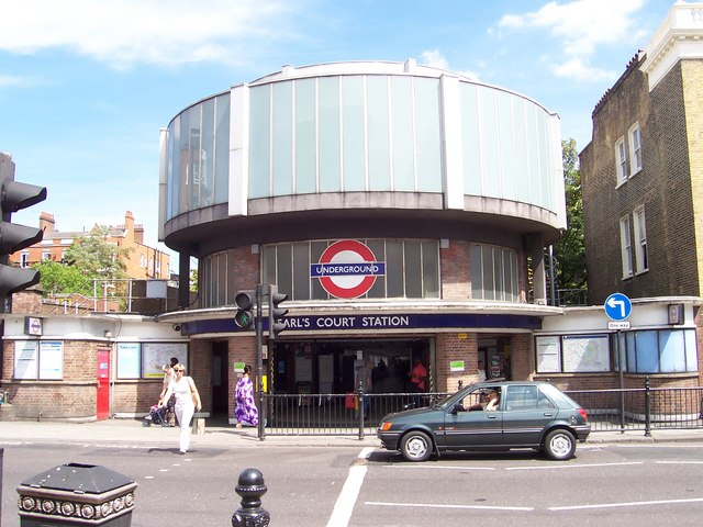 Earl`s Court Station - geograph.org.uk - 313330