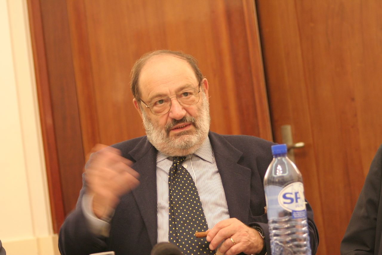 Umberto Eco Größe