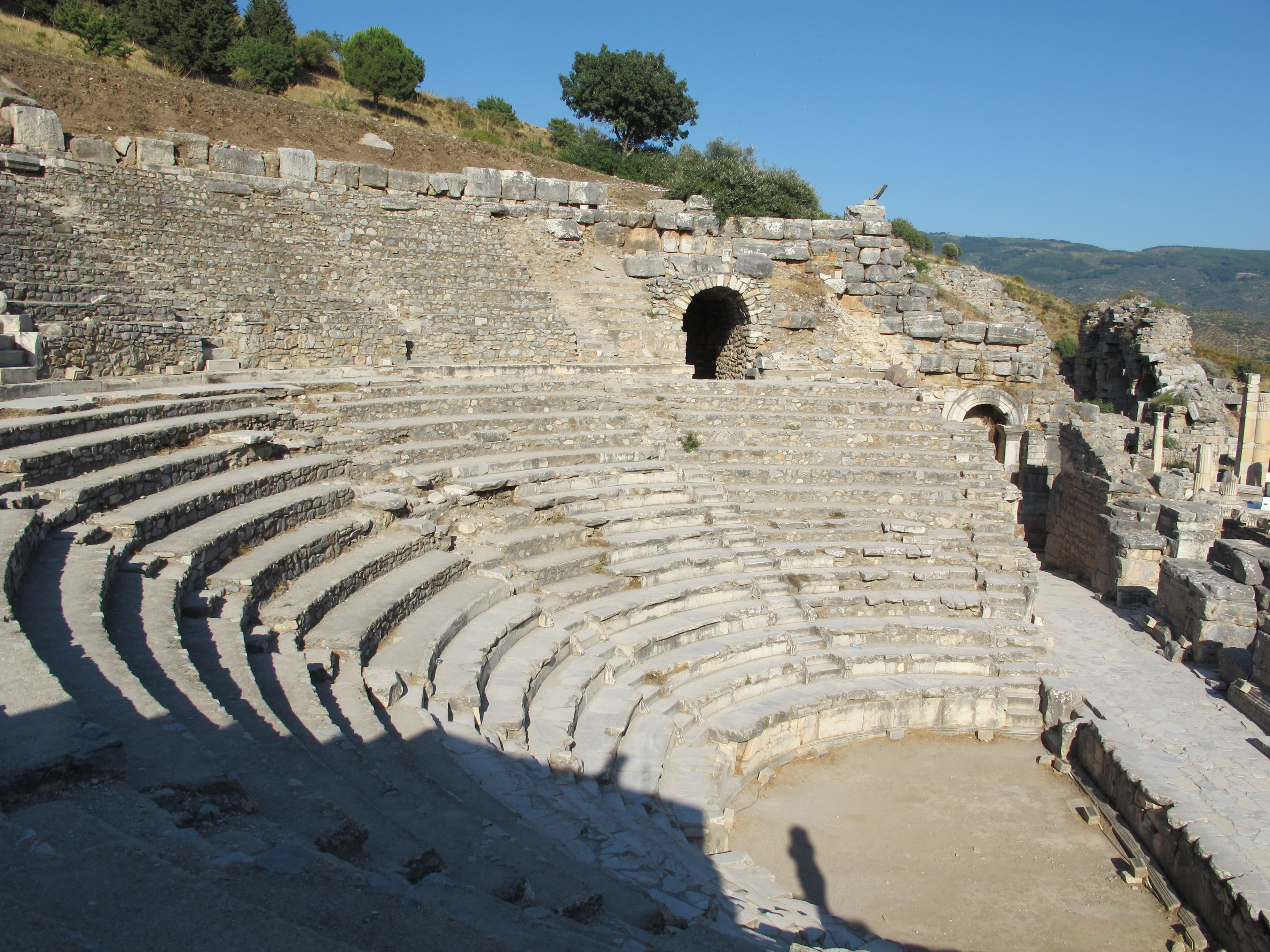 File:Efeso, odeon 04.JPG - Wikimedia Commons