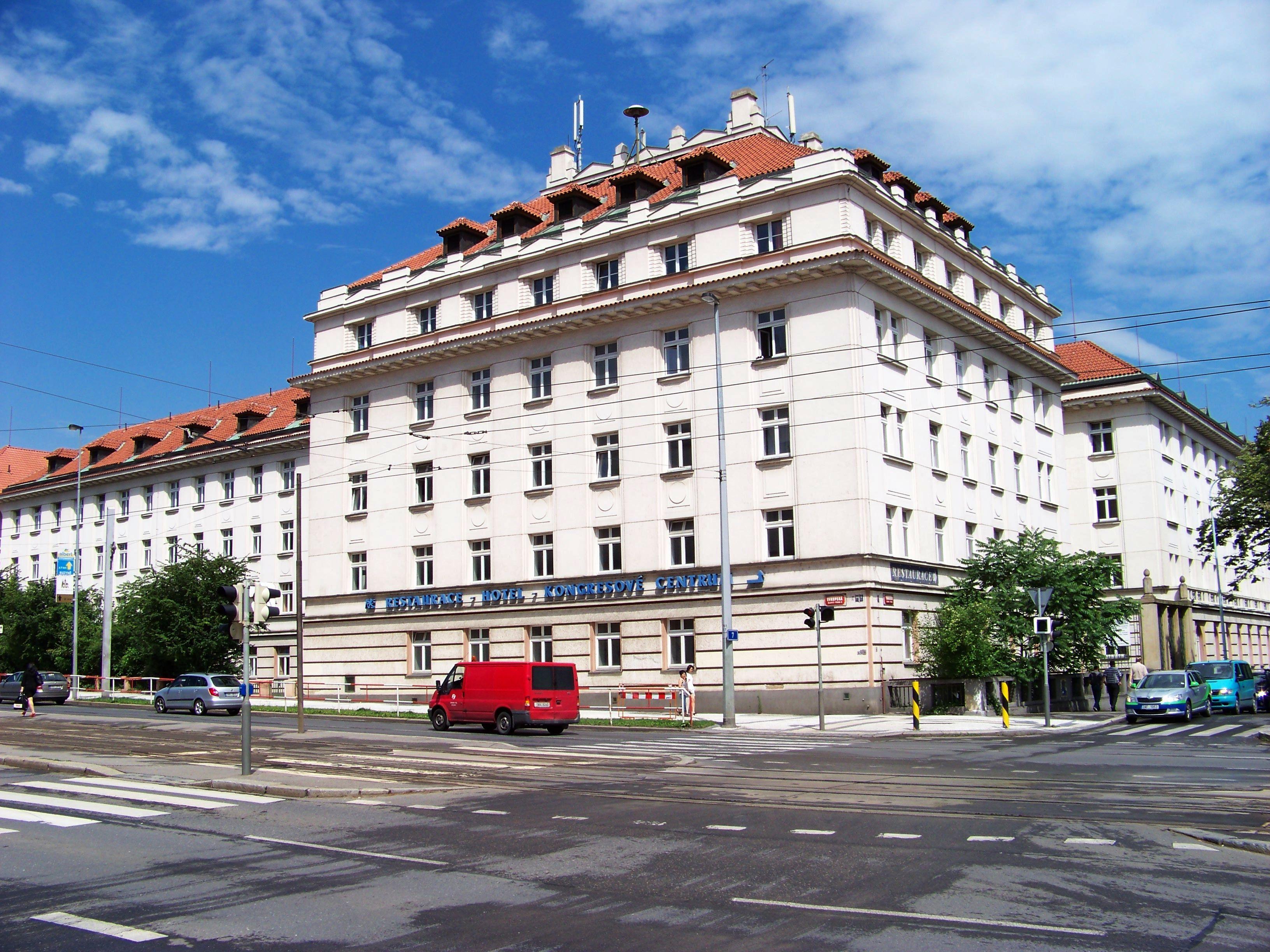Prague czech republic location istanbul turkey location for Prague location