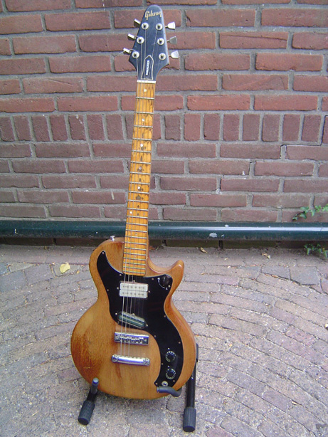Mid-production Gibson Marauder with rotary pickup selector on the treble side of the upper bout