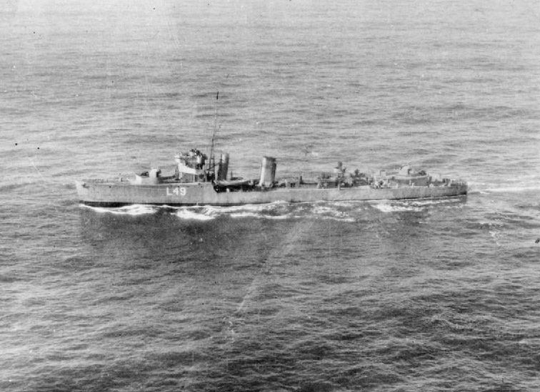 [British destroyer HMS WOOLSTON underway as WAIR conversion]