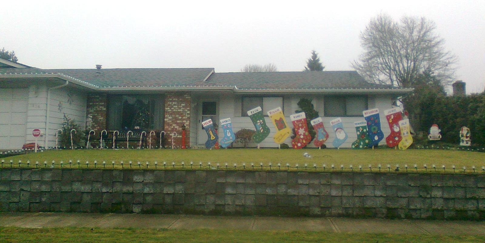 File:House with Christmas lights Miracle of Christmas neighborhood ...