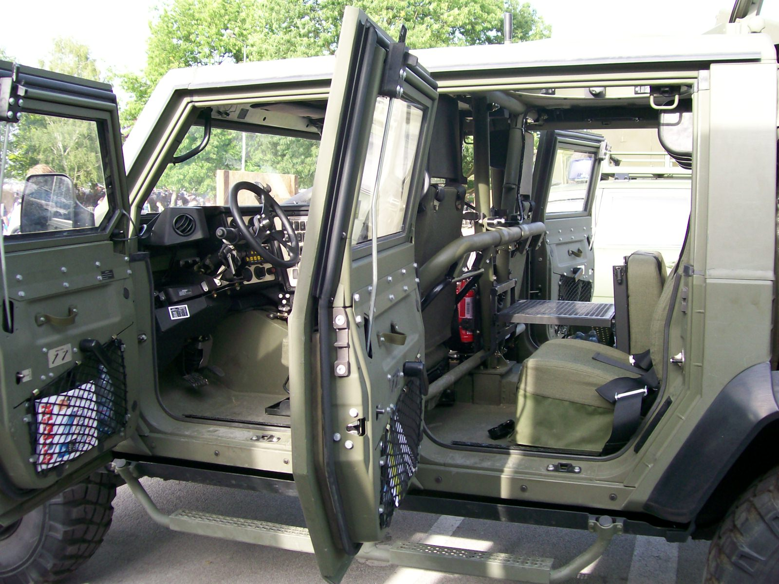 Description iveco lmv croarmy