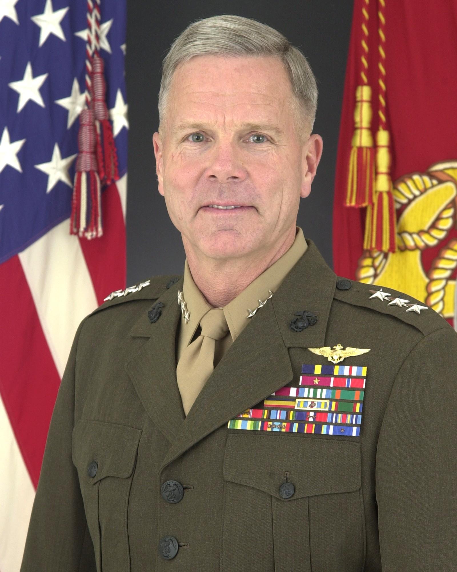 Marine Corps Uniform Board  hqmcmarinesmil