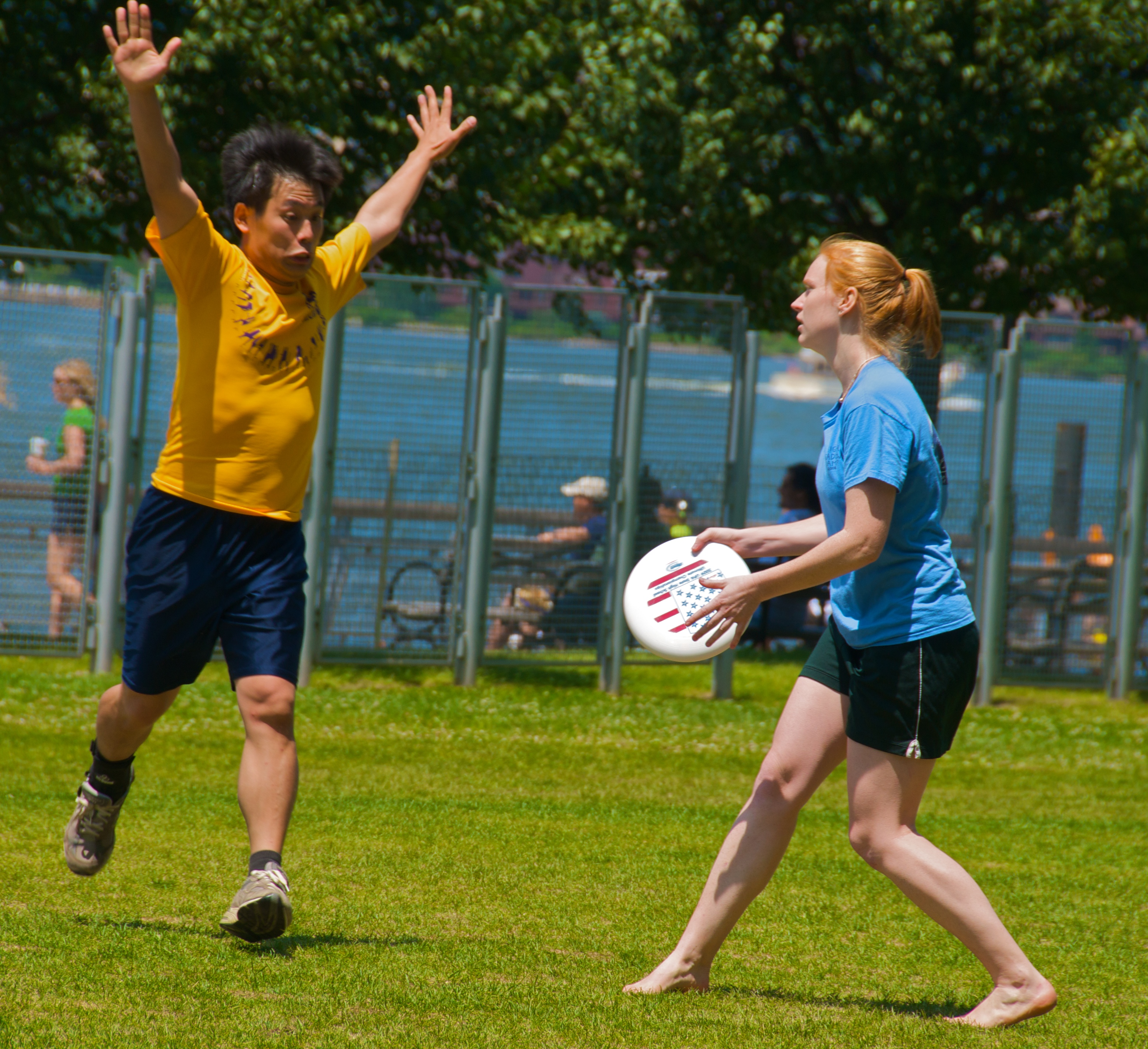 File:Jul 16, 2009 - Ultimate frisbee.jpg - Wikimedia Commons