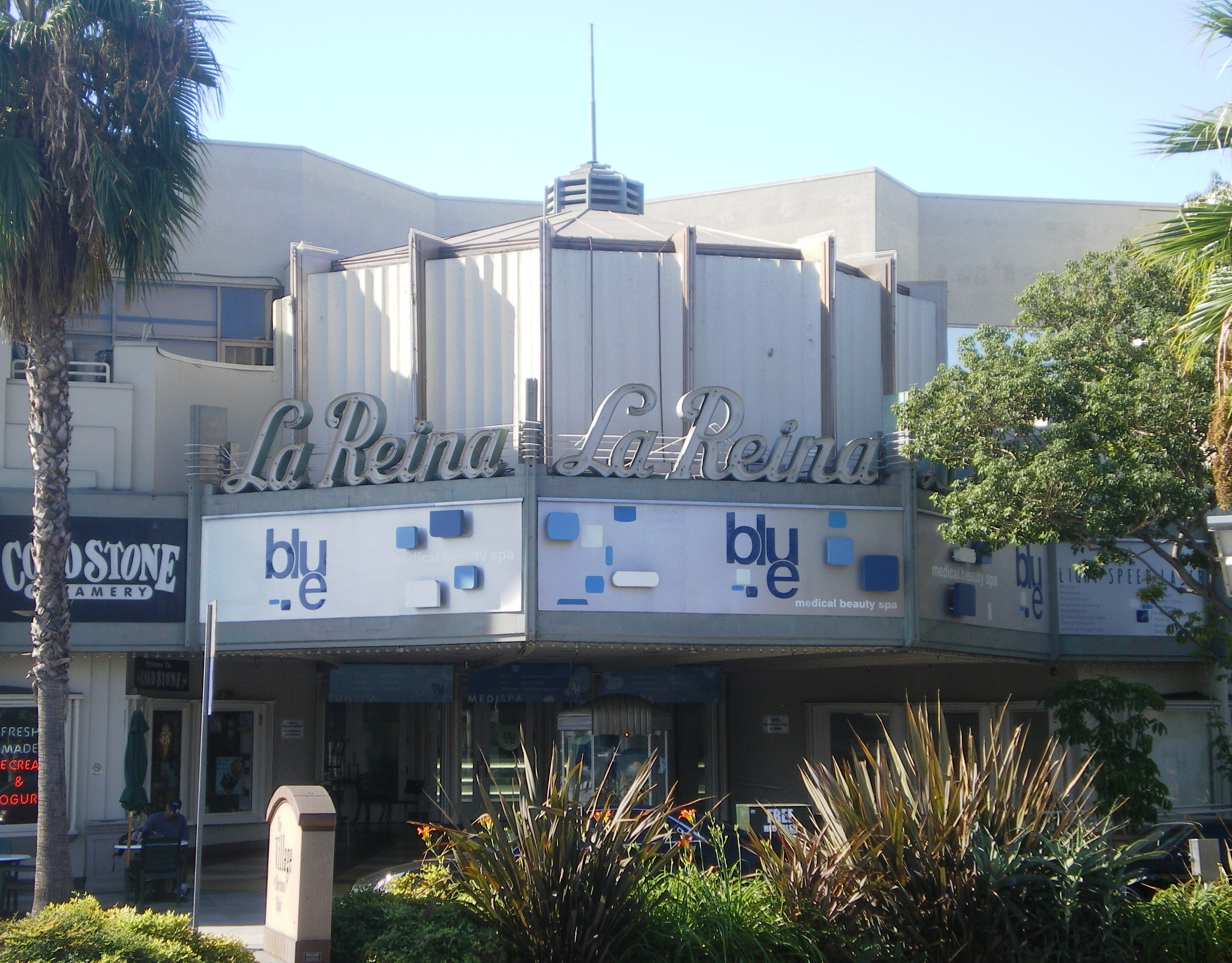 A thriving neighborhood in the San Fernando Valley region of Los Angeles, Sherman Oaks is located 16 miles northwest of downtown Los Angeles and just 12 miles northeast of Santa Monica, housing the famous Santa Monica Pier.