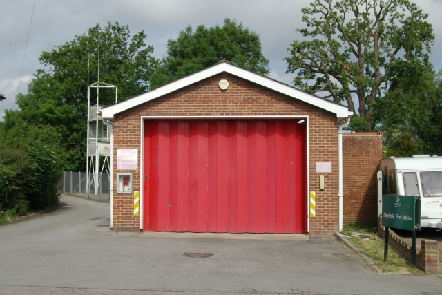 File:Lingfield fire station - geograph.org.uk - 472274.jpg