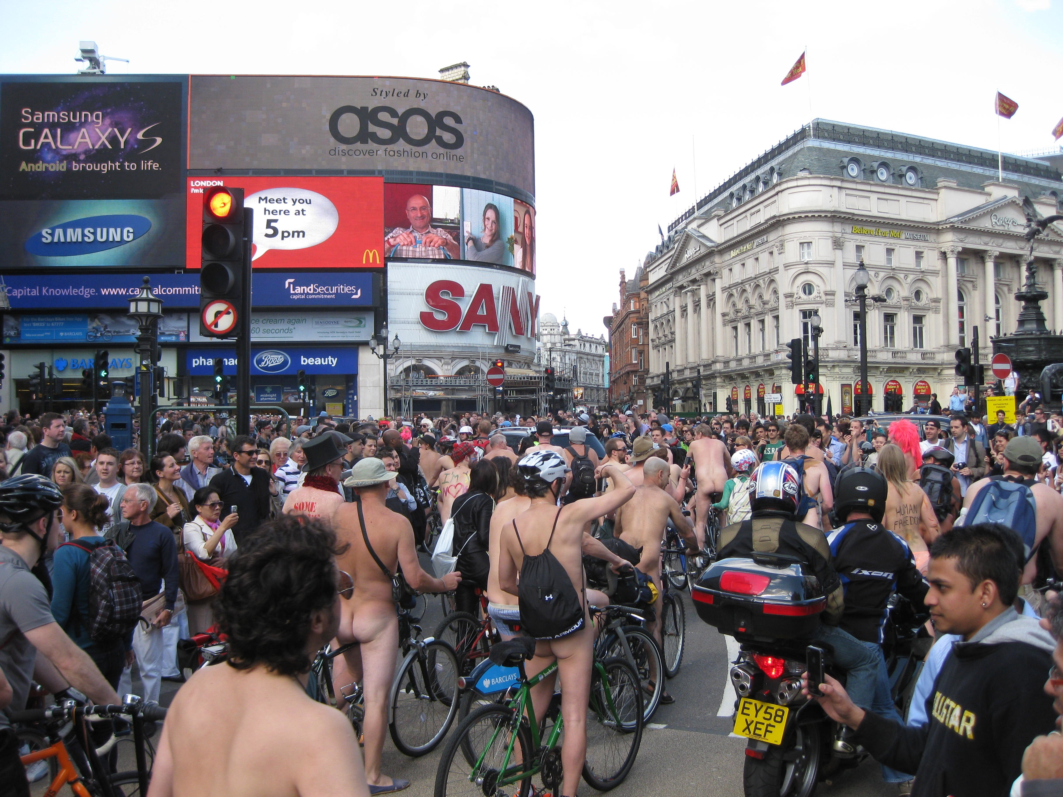 WNBR – London – Piccadilly Circus