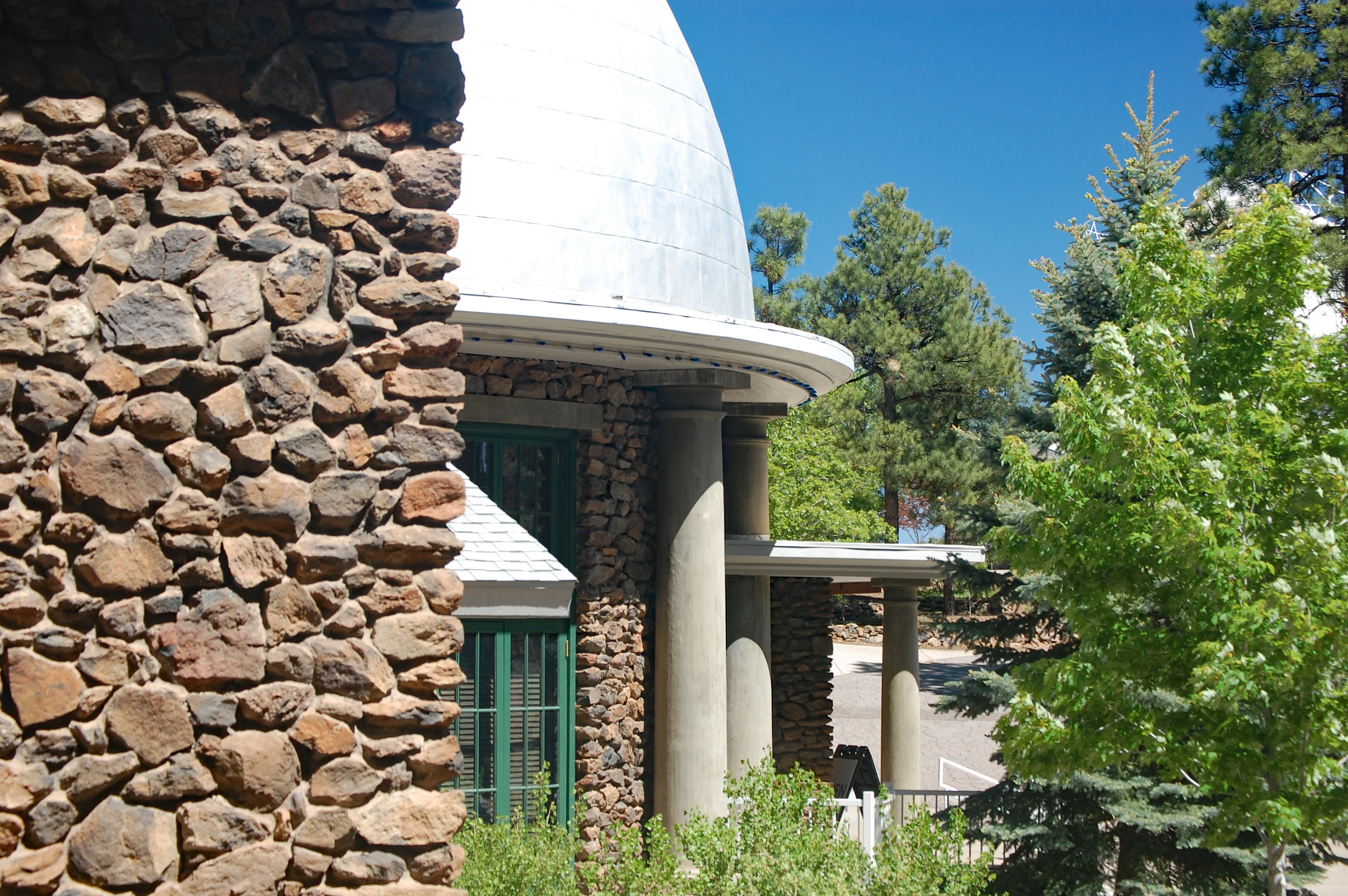File:Lowell Observatory Main Building.jpg - Wikimedia Commons
