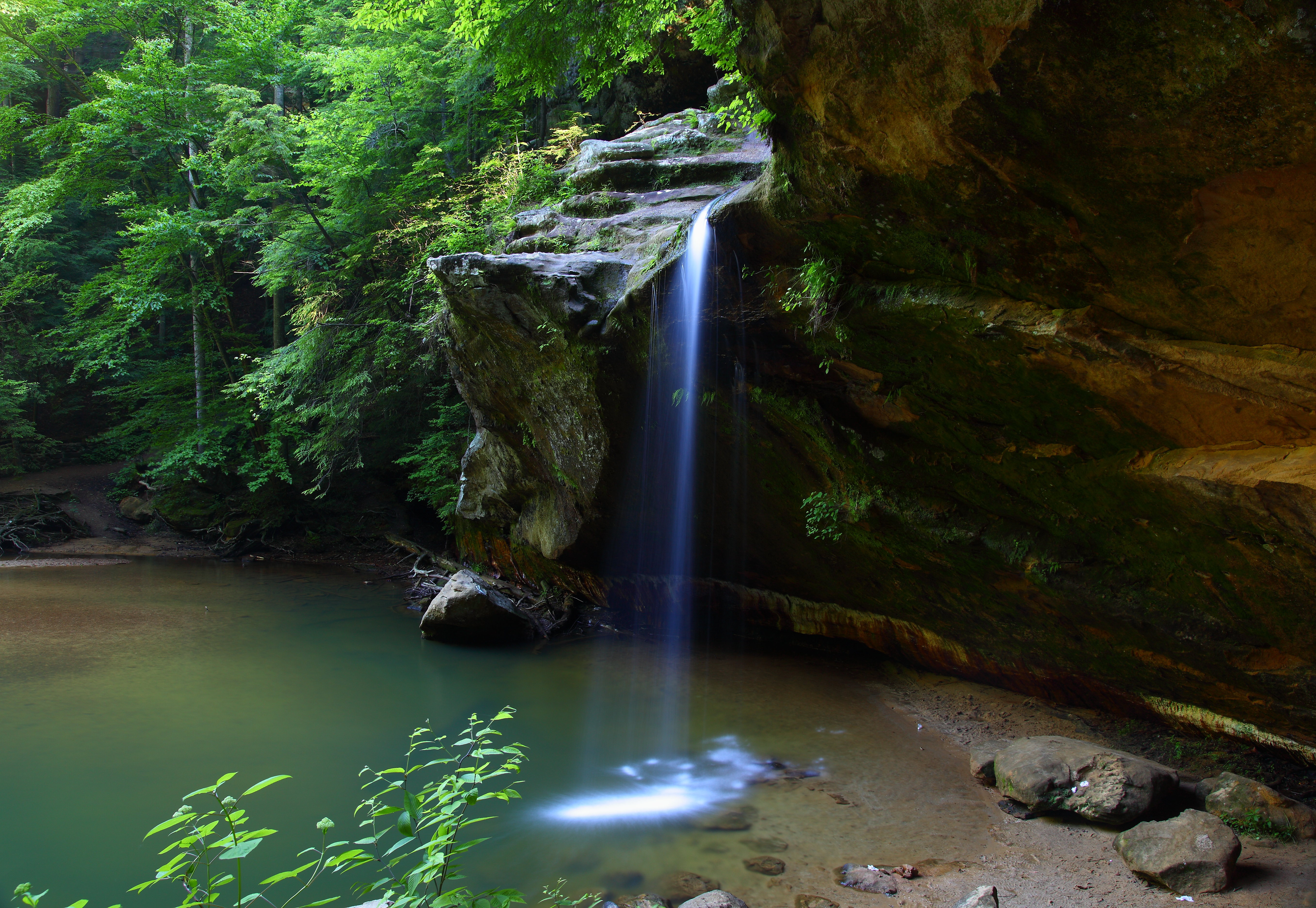 The Best Vacation Spot In Ohio Old Man S Cave Amp Hocking