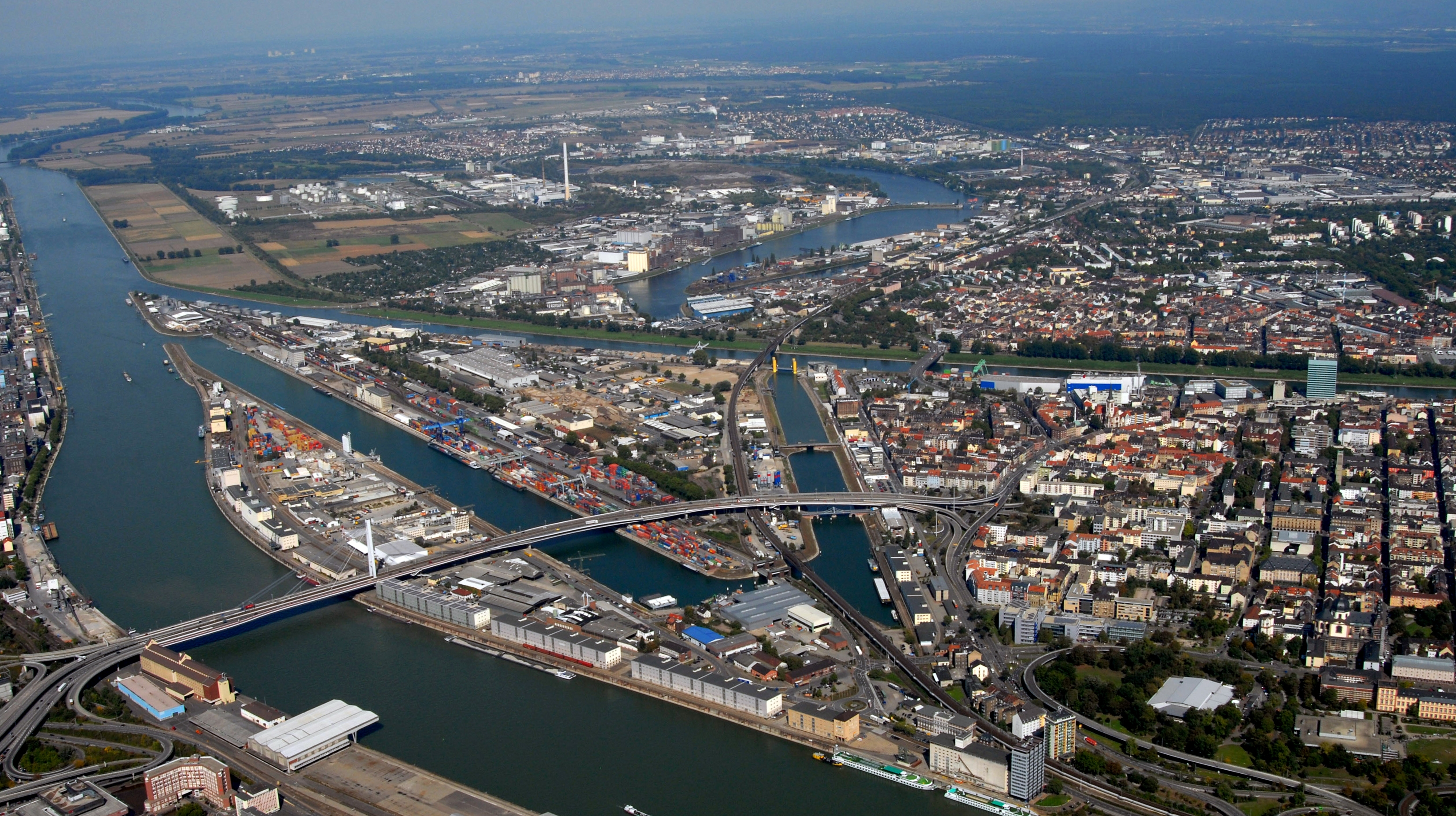Mannheim Power Plant Block 9 (Mannheim, 2015) | Structurae