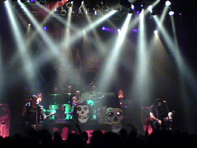 Ficheiro:Misfits live in San Diego 2008-11-19.jpg