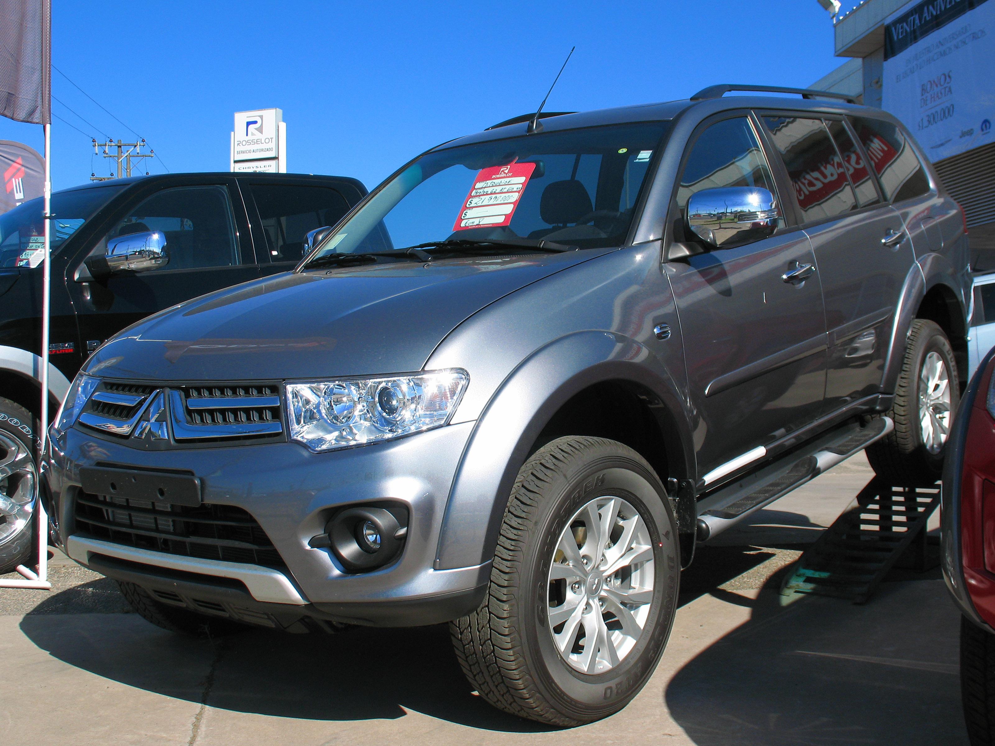 File:Mitsubishi Montero Sport G2 GLS 2.5 TD 2014 (15249835766)