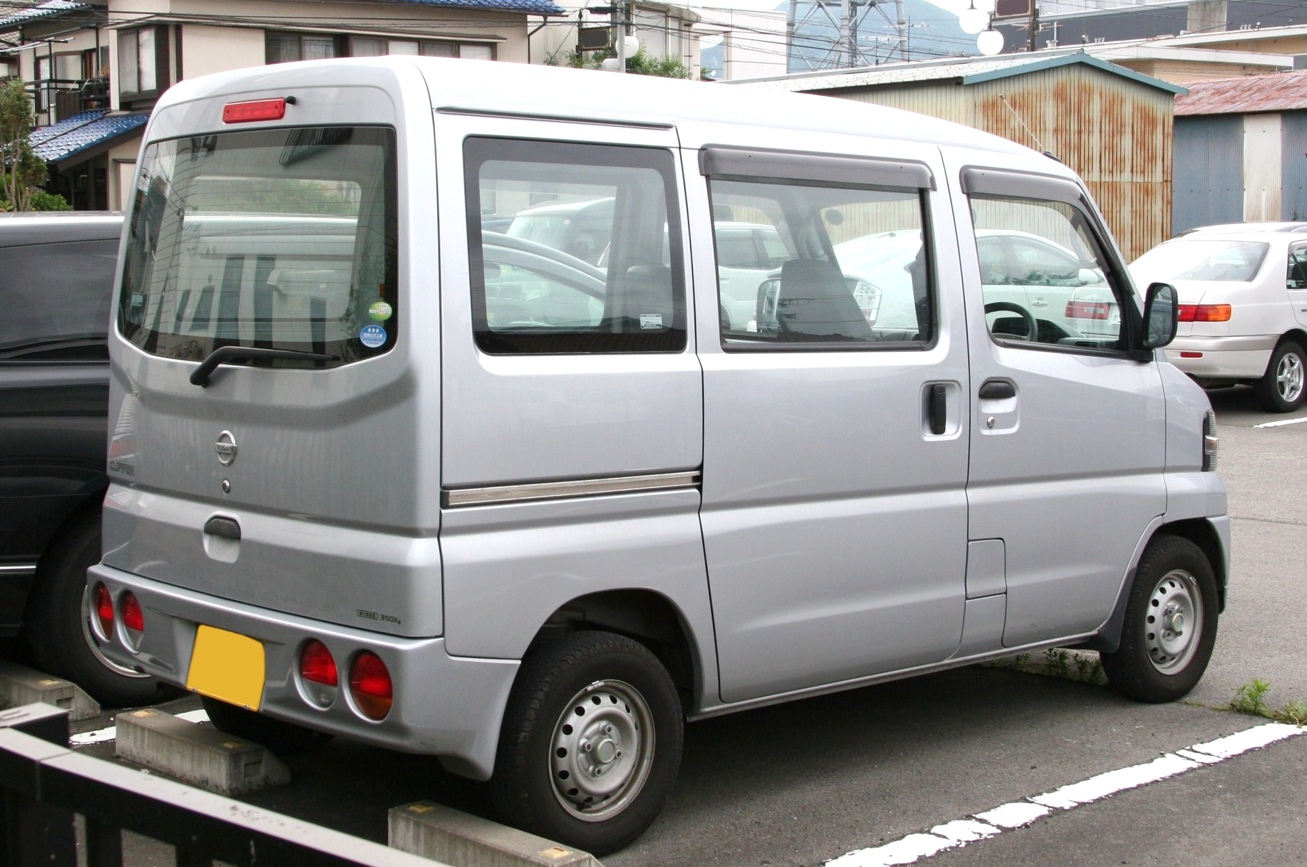 File Nissan Clipper Van Rear Jpg Wikimedia Commons