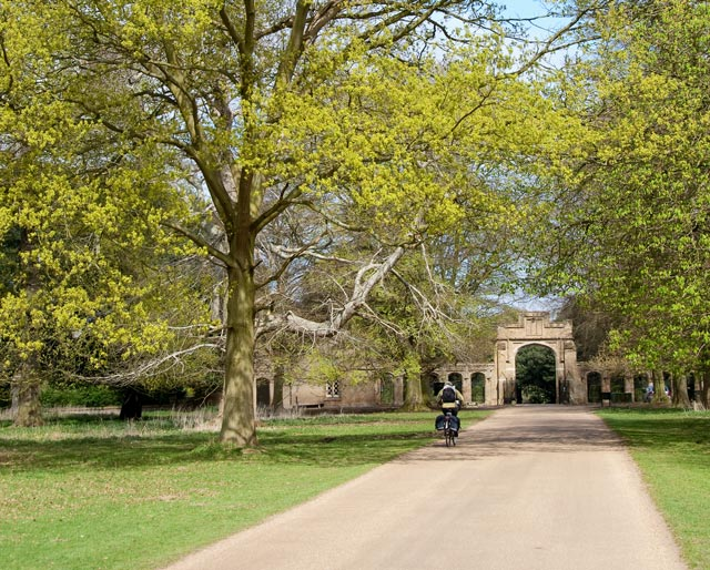 Northern entrance to Holkham Estate - geograph.org.uk - 1267680
