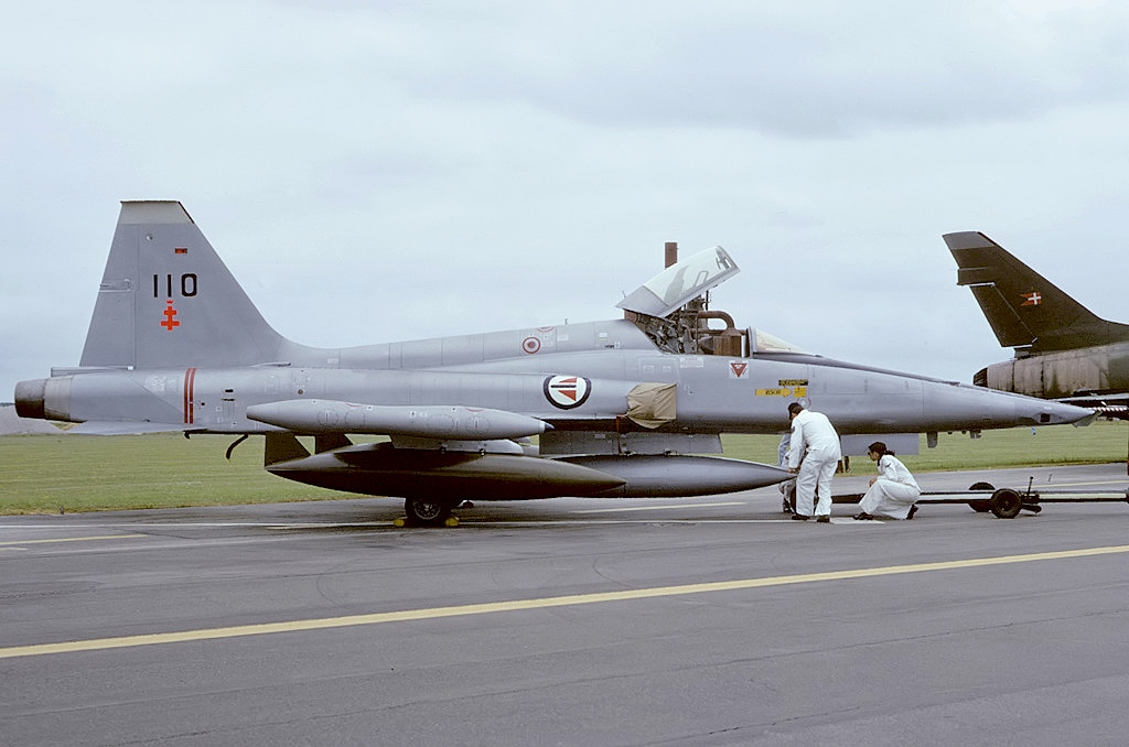 File:Northrop RF-5A Freedom Fighter, Norway - Air Force ...