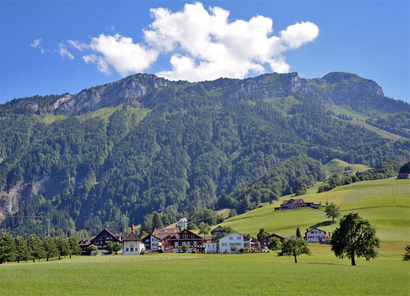 schwyz chat sites Benefit from free rides on all cable cars and public transport, 800 free summer experiences as well as many complimentary services and discounts.