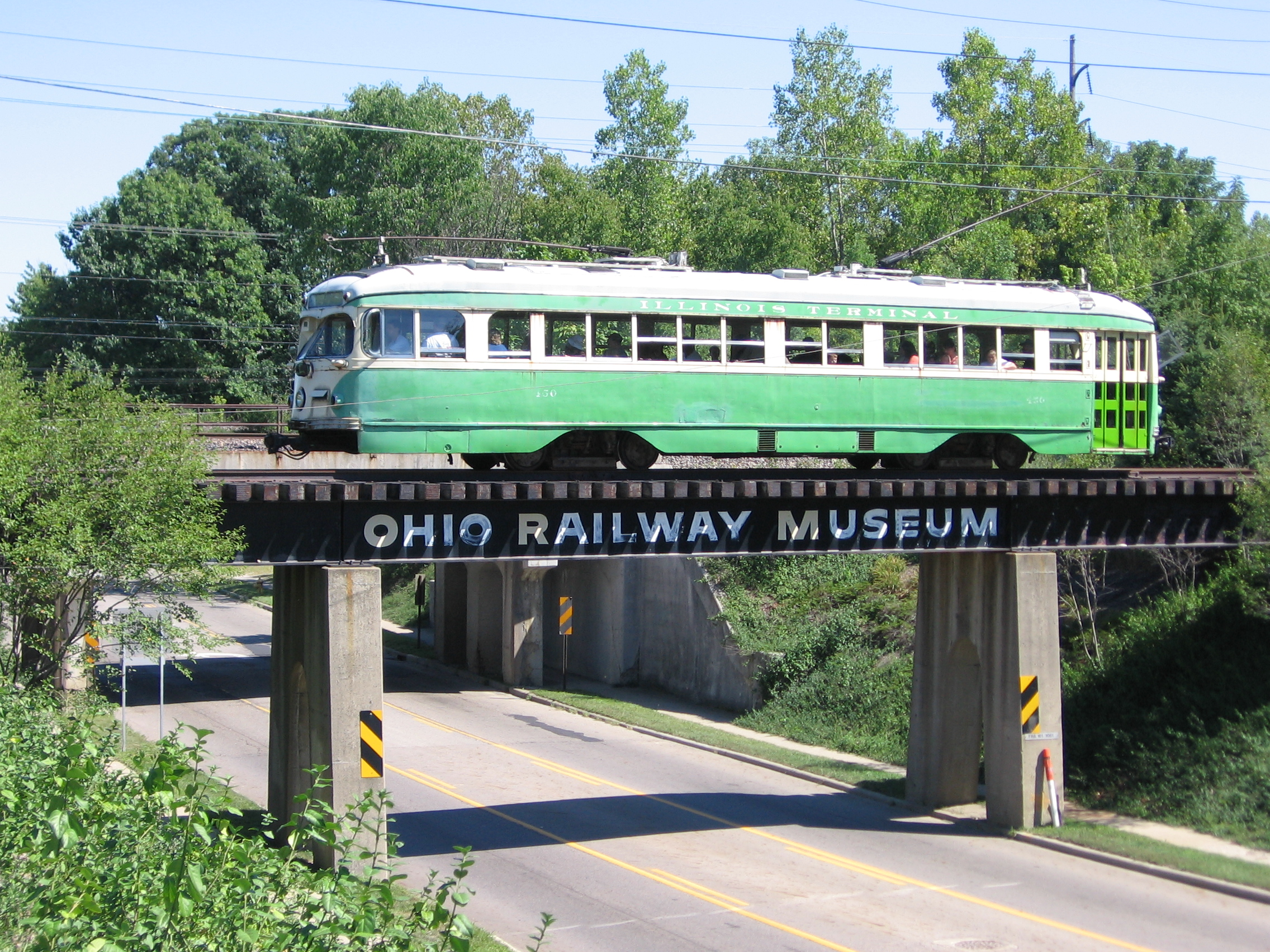 PCC streetcar 450 operating on the Ohio Railway Museum line